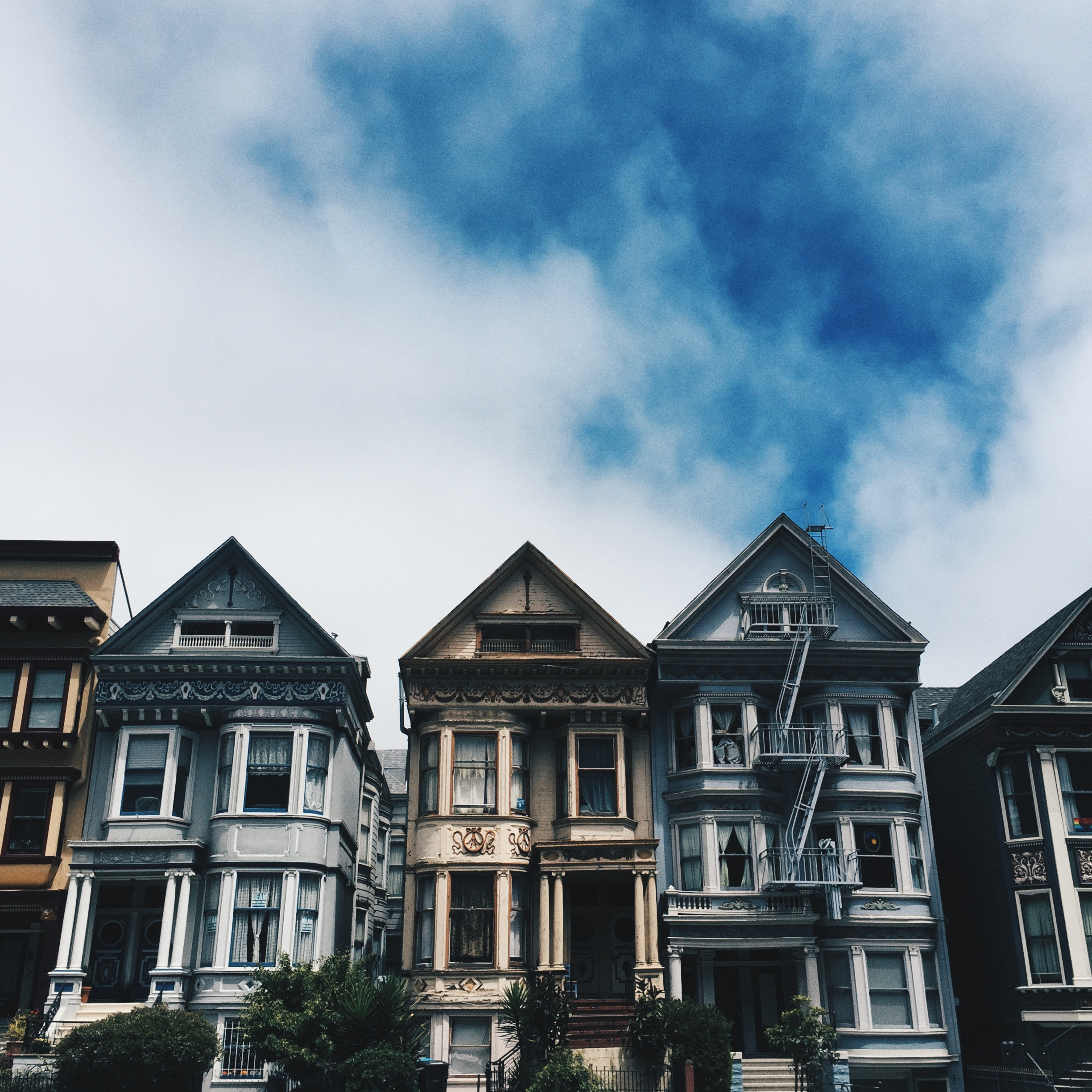I love all the architecture around the city. This was taken while I was on a run around the panhandle section of Golden Gate Park.