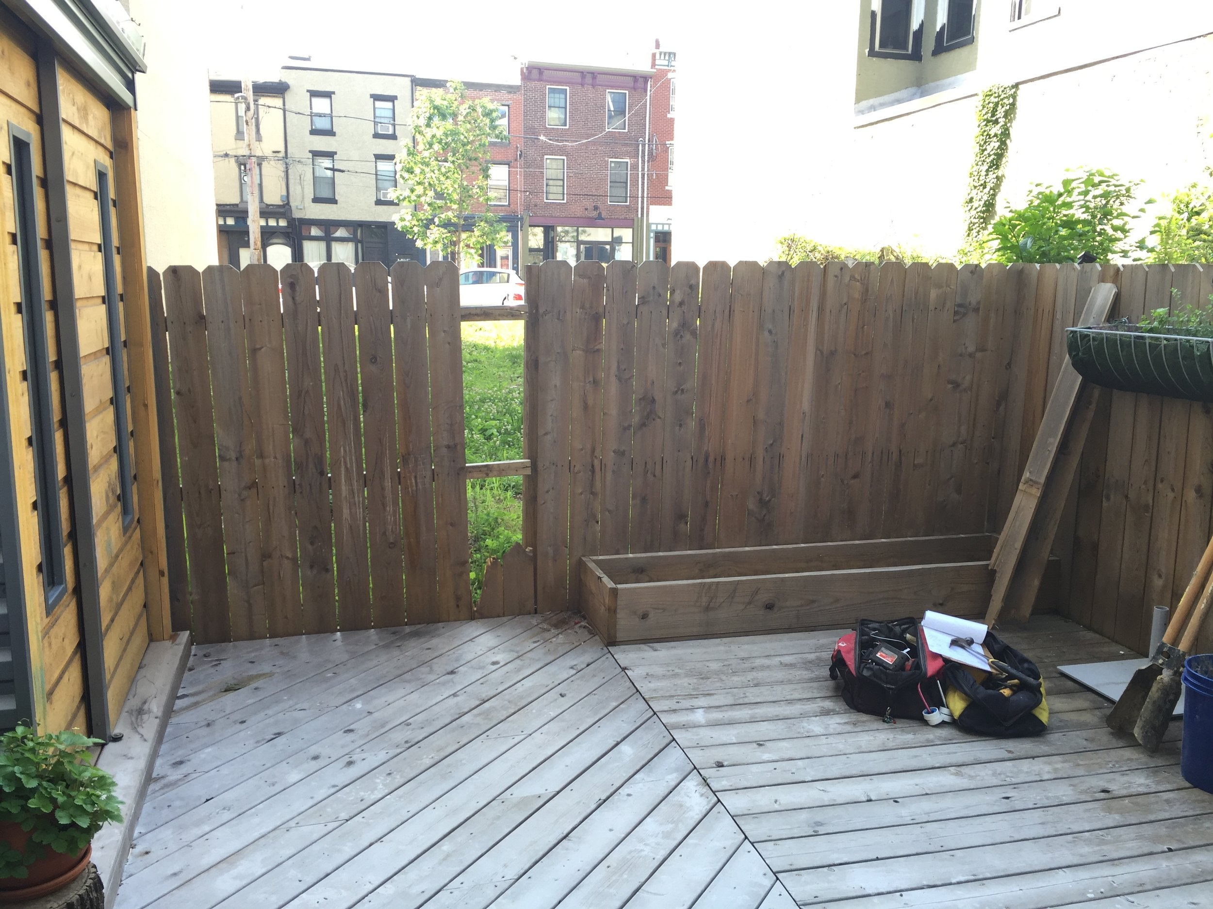 I was contacted by a client looking for a custom fence with moveable planter boxes. This is the original fence that was removed to make way for the new one.
