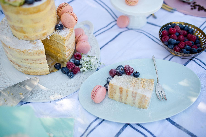Naked Wedding Cake slice