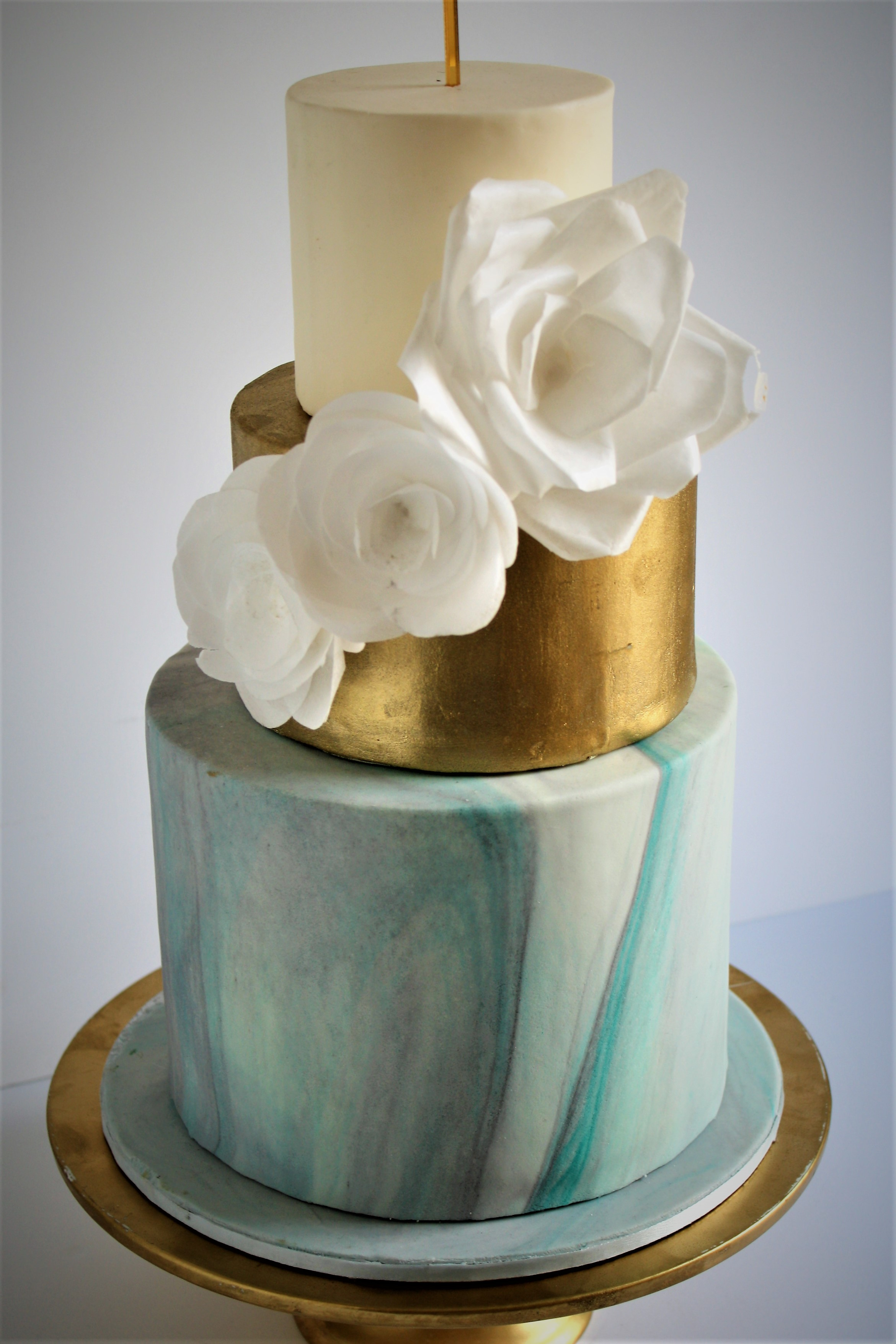 Marble &gold wedding cake