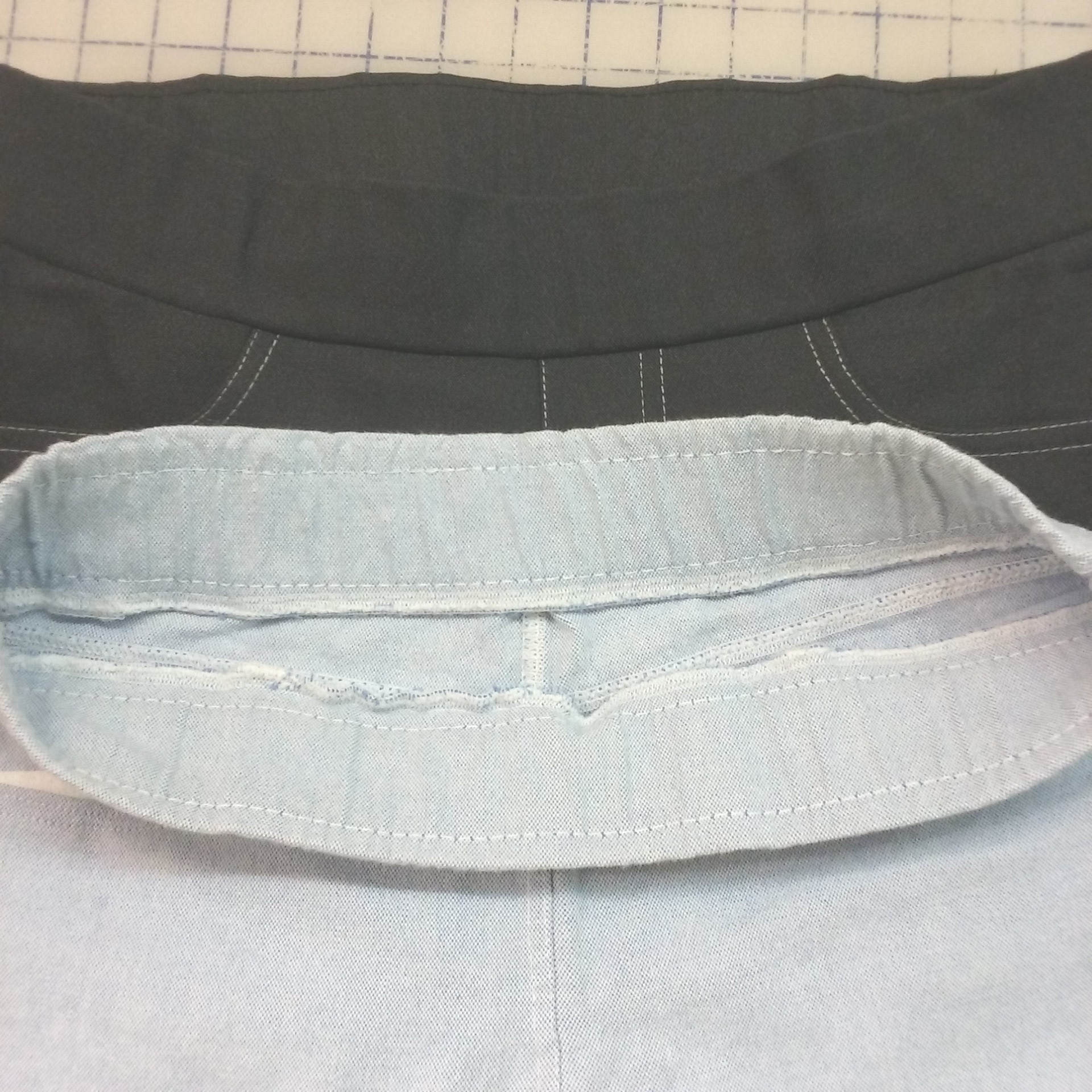 "Same construction method for the waistband, using 2"" wide knit elastic instead of 1""' wide regular elastic"