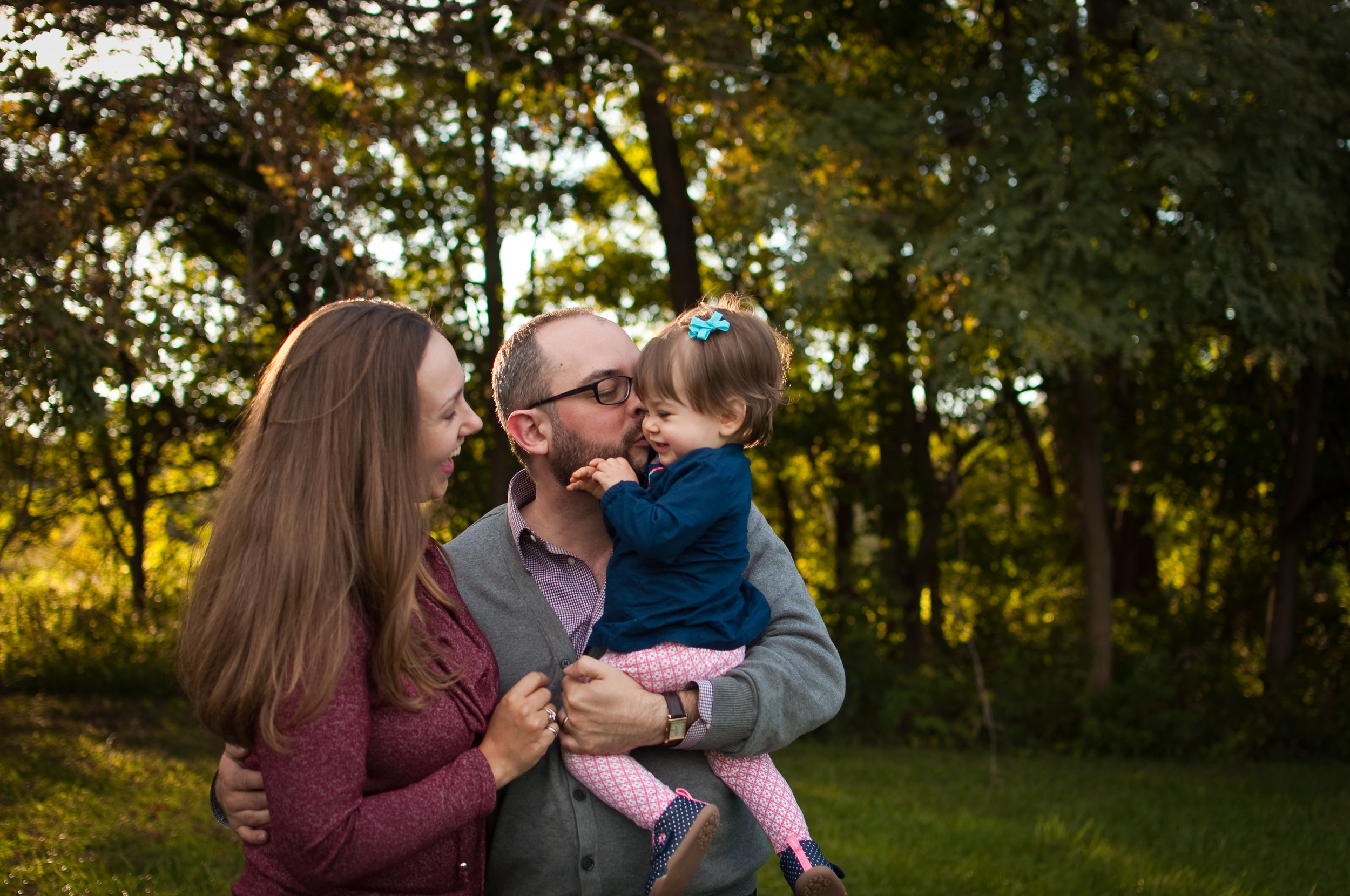 Peoria, IL family portraits at McNaughton Park in Pekin, IL.
