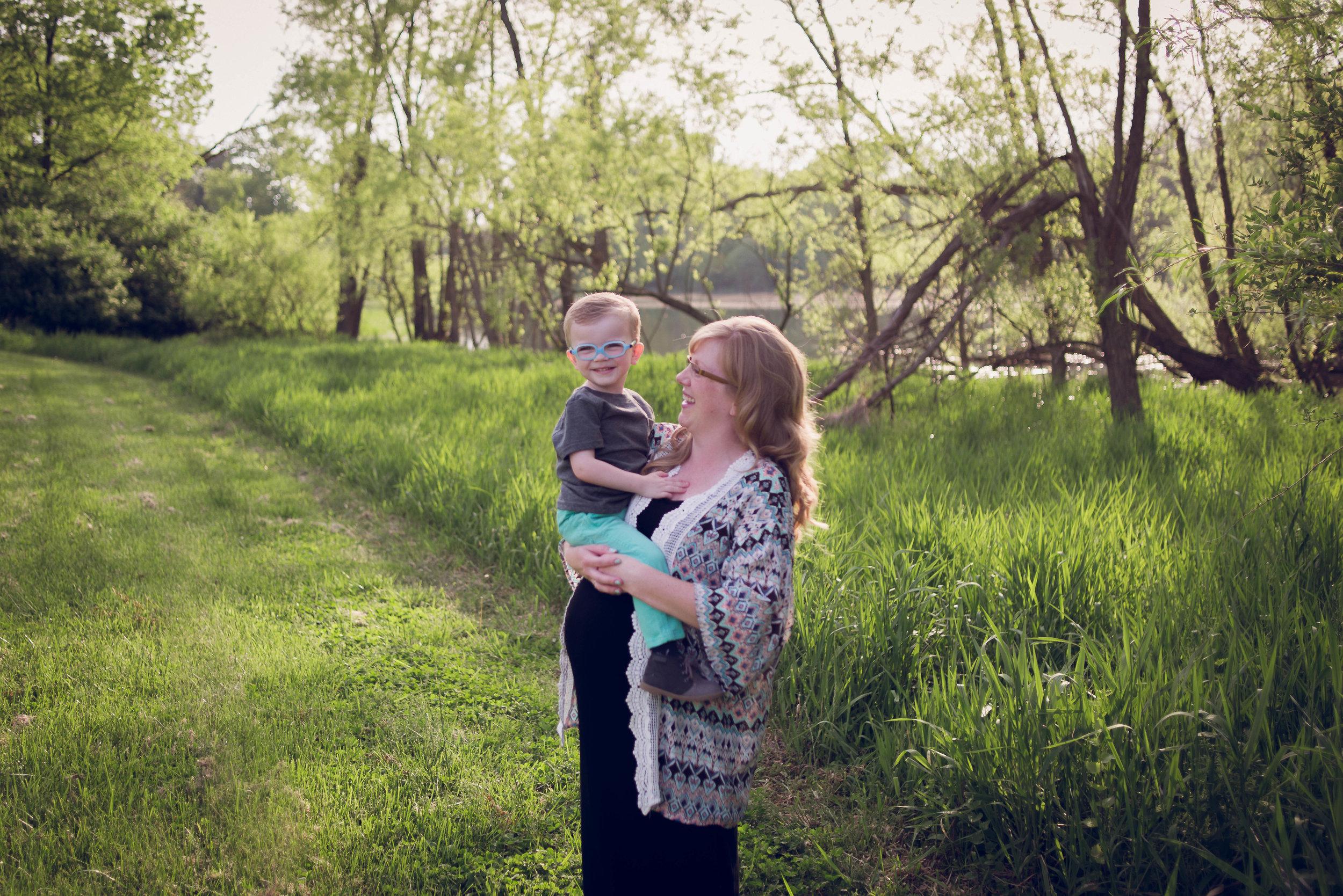 BrittneyHogue-MaternityPregnancyPhotographer-PeoriaIL-PekinIL-BloomingtonIL-5761.jpg