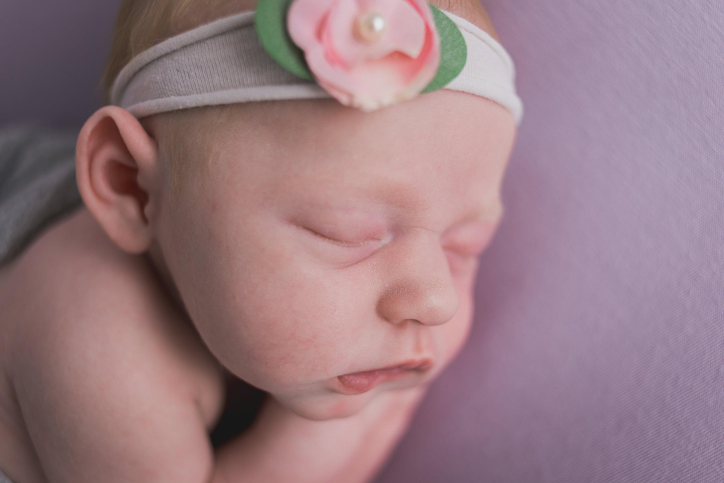 BrittneyHogue-NewbornPhotographer-PekinIL-PeoriaIL-1860-Edit.jpg