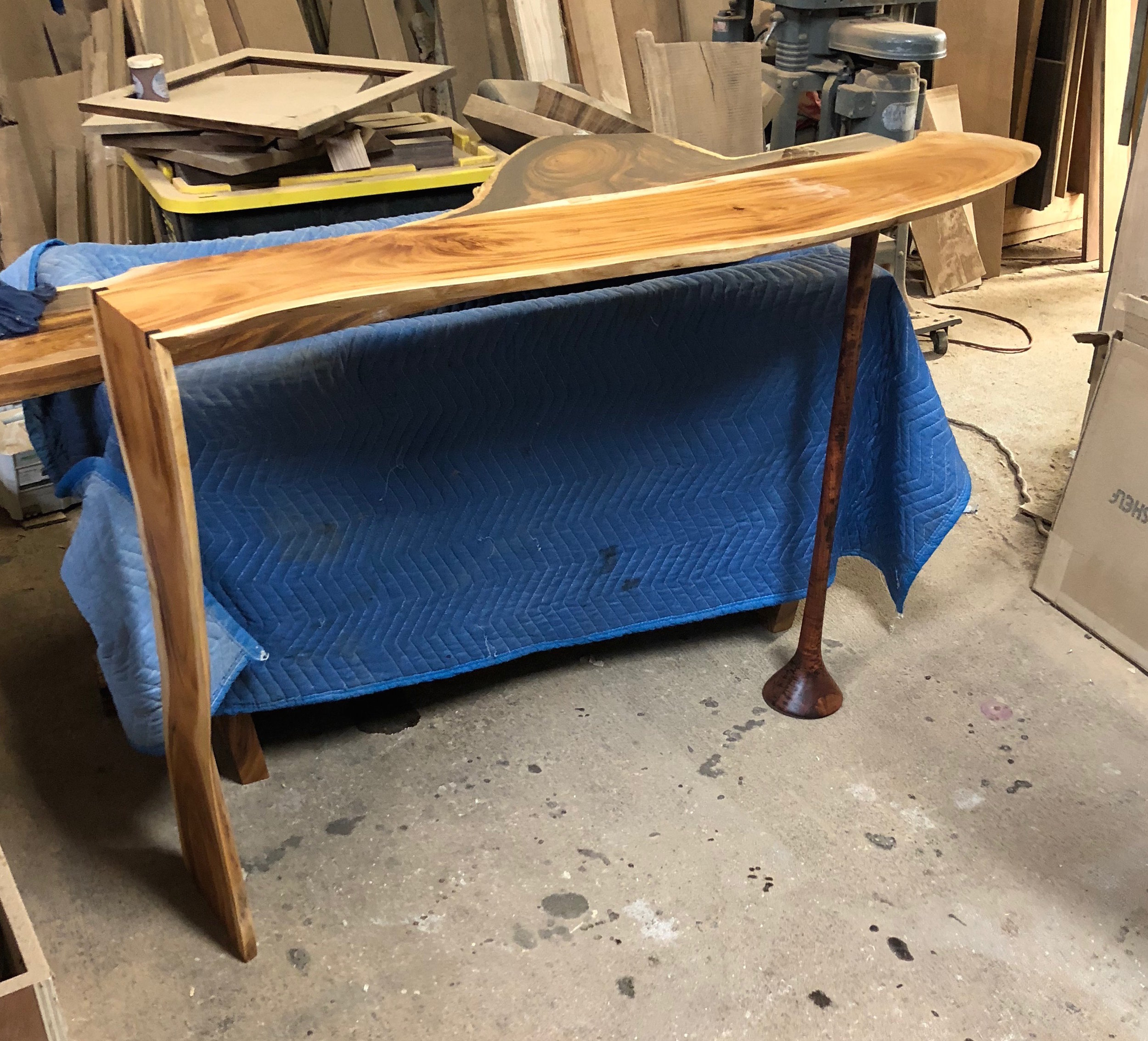 Finished entry table! I know that the pictures from the shop aren't that great, but just hang in there and better pictures will come soon!