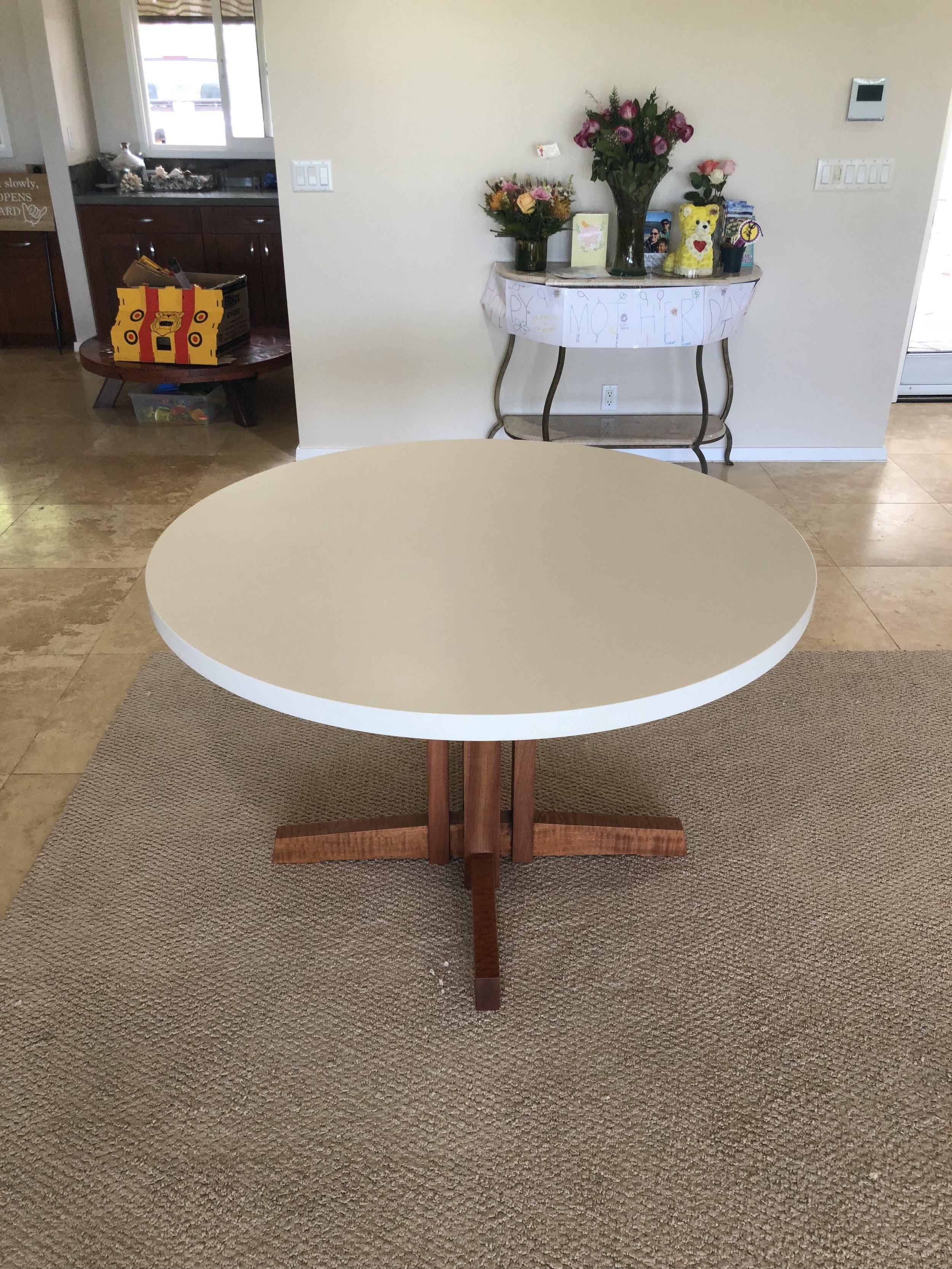 Whitewashed oak kitchen table top.
