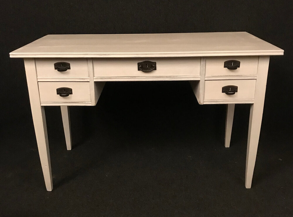 antikt skrivbord nytt