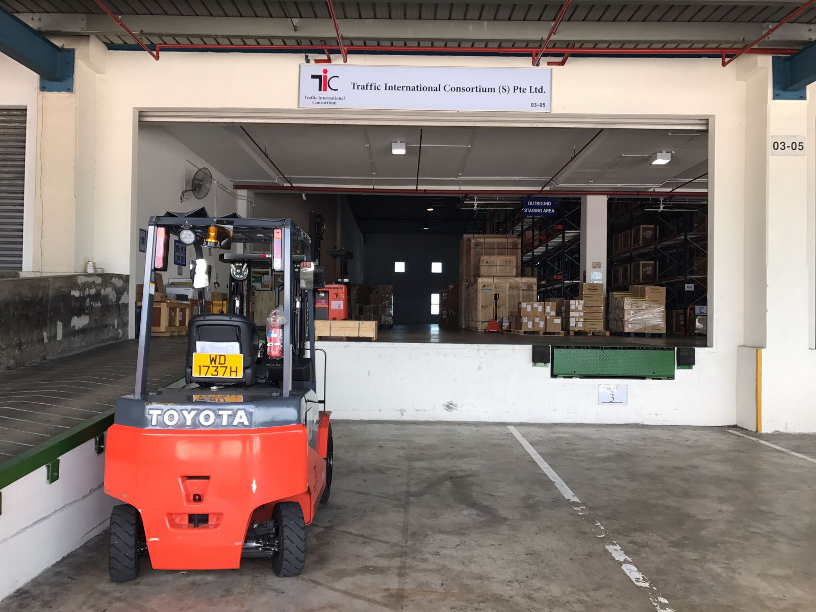 warehouse pic 3.jpg