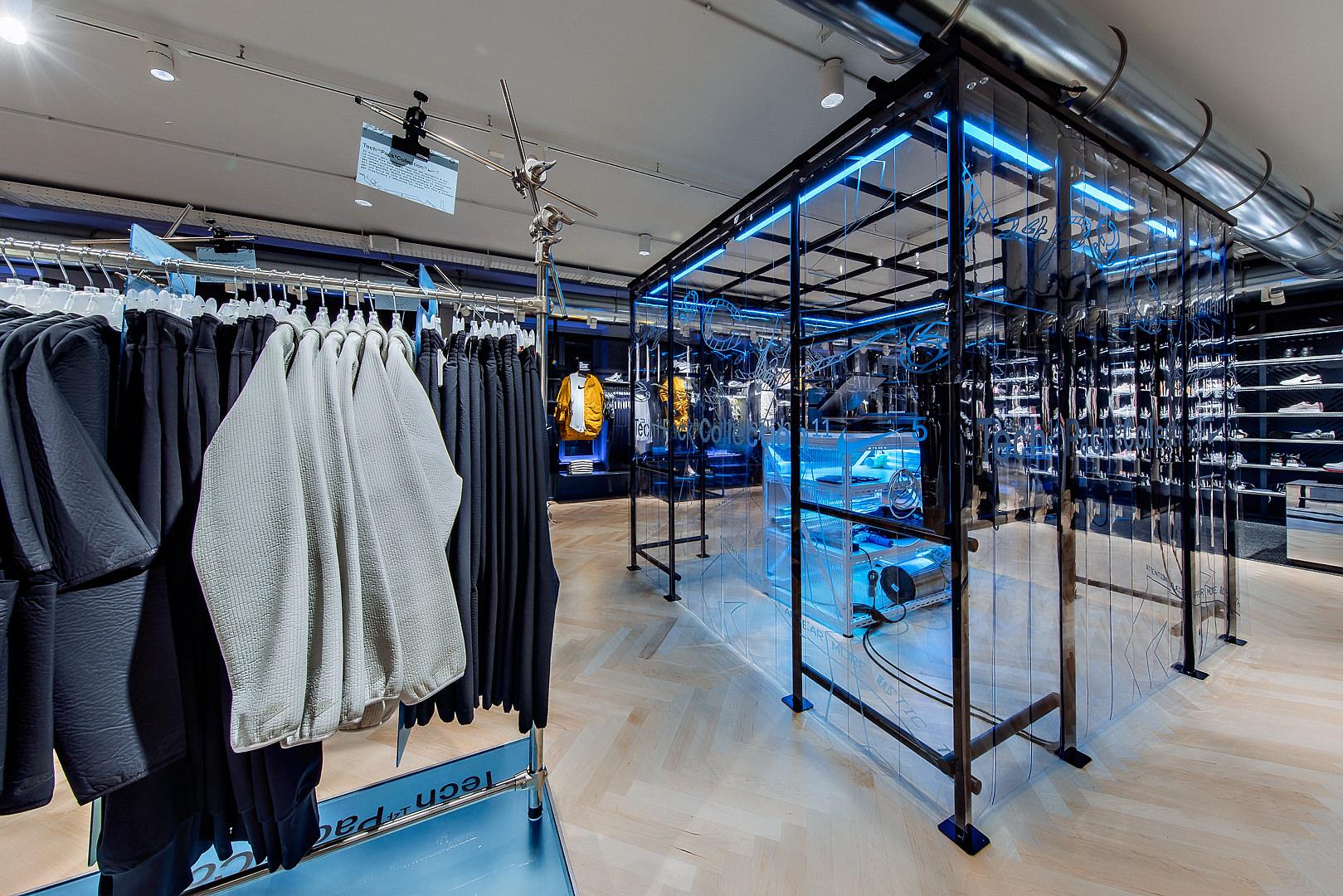 2018_09_14_Nike_Store_CVE_0049.jpg
