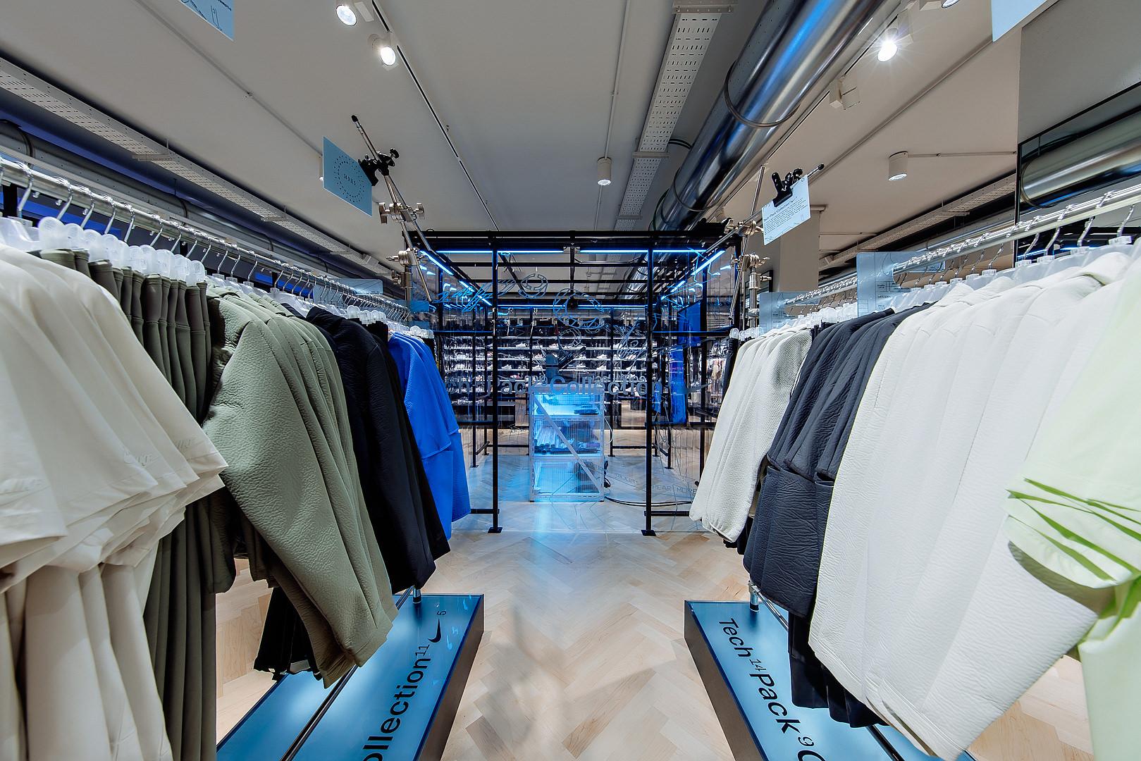 2018_09_14_Nike_Store_CVE_0071.jpg