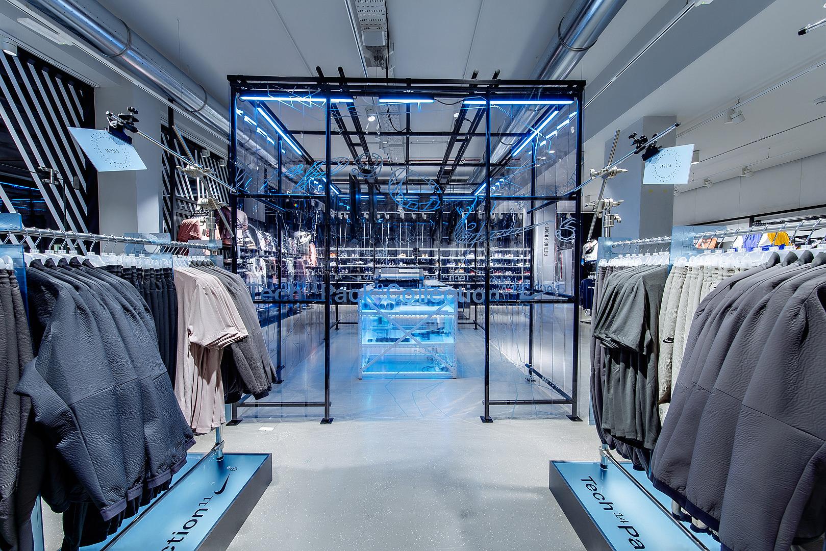 2018_09_14_Nike_Store_CVE_0068.jpg