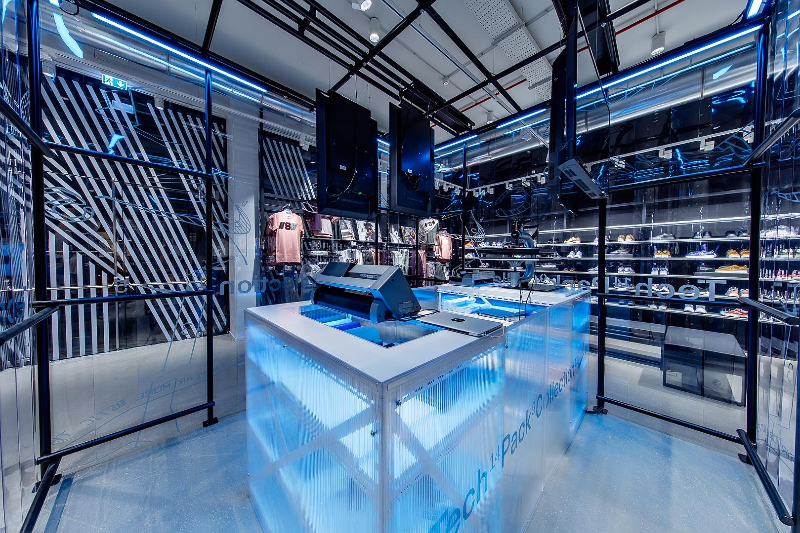 2018_09_14_Nike_Store_CVE_0079.jpg
