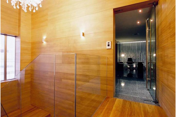 LuckyStar HQ14_left & right_2pixels.JPG
