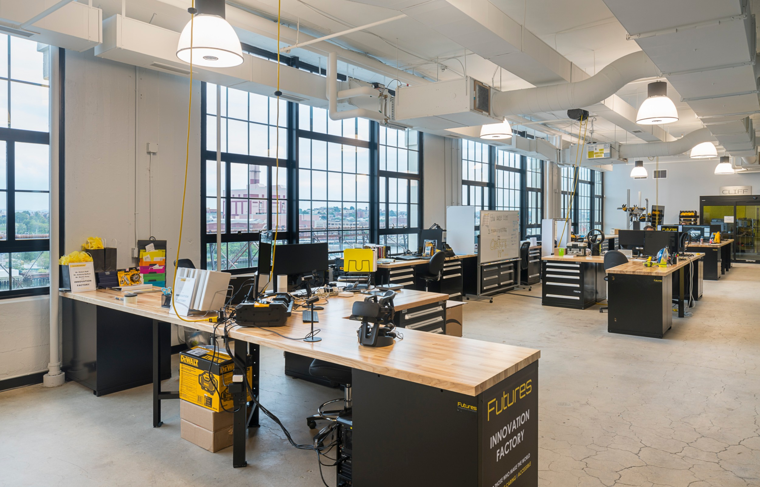 Stanley_Black_Decker_Corderman_Construction_Open_Area_Work_Stations_Boston_Seaport.jpg