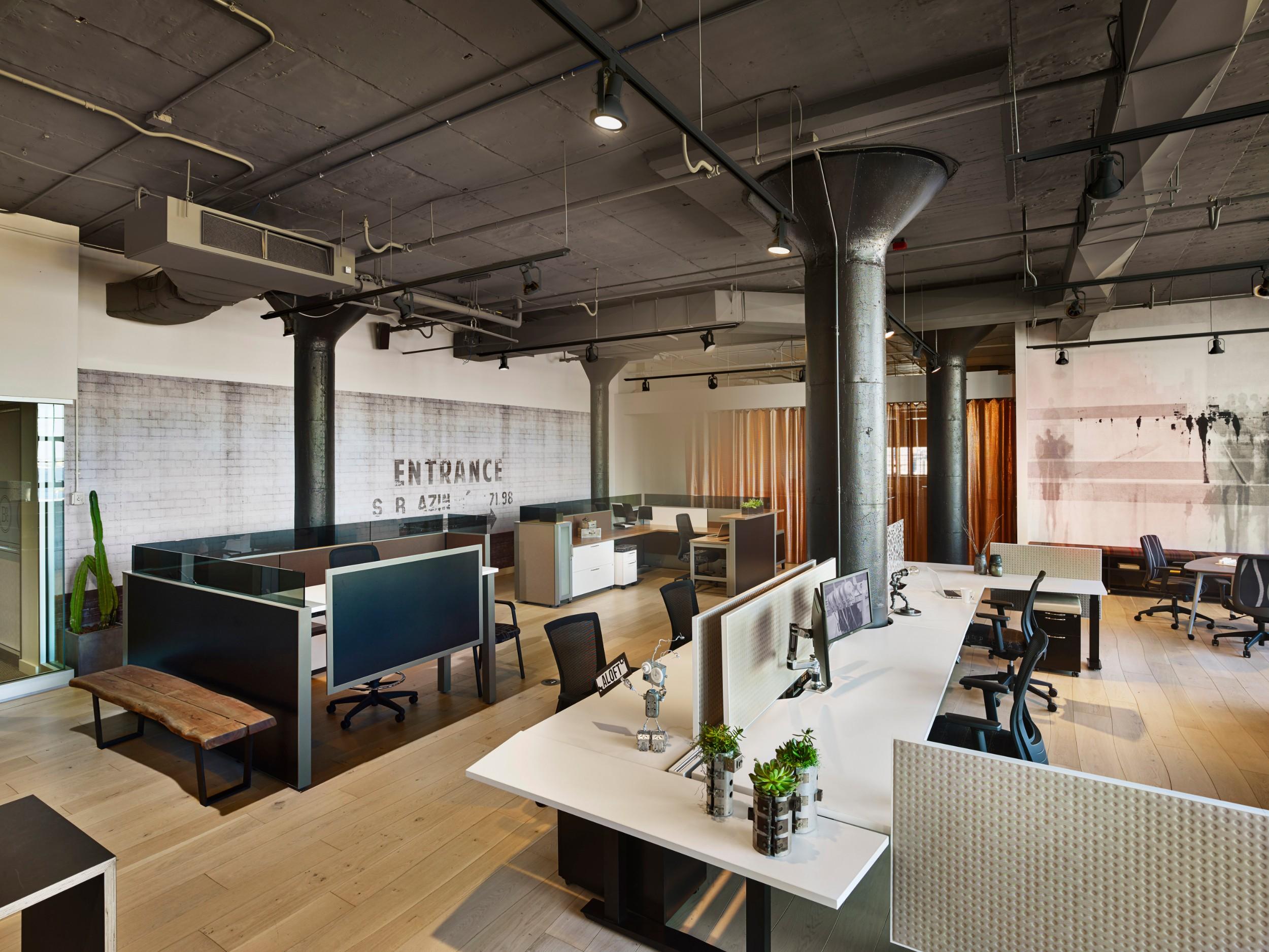 AIS_Boston_Showroom_Design_Center_Corderman Construction_Office.jpg