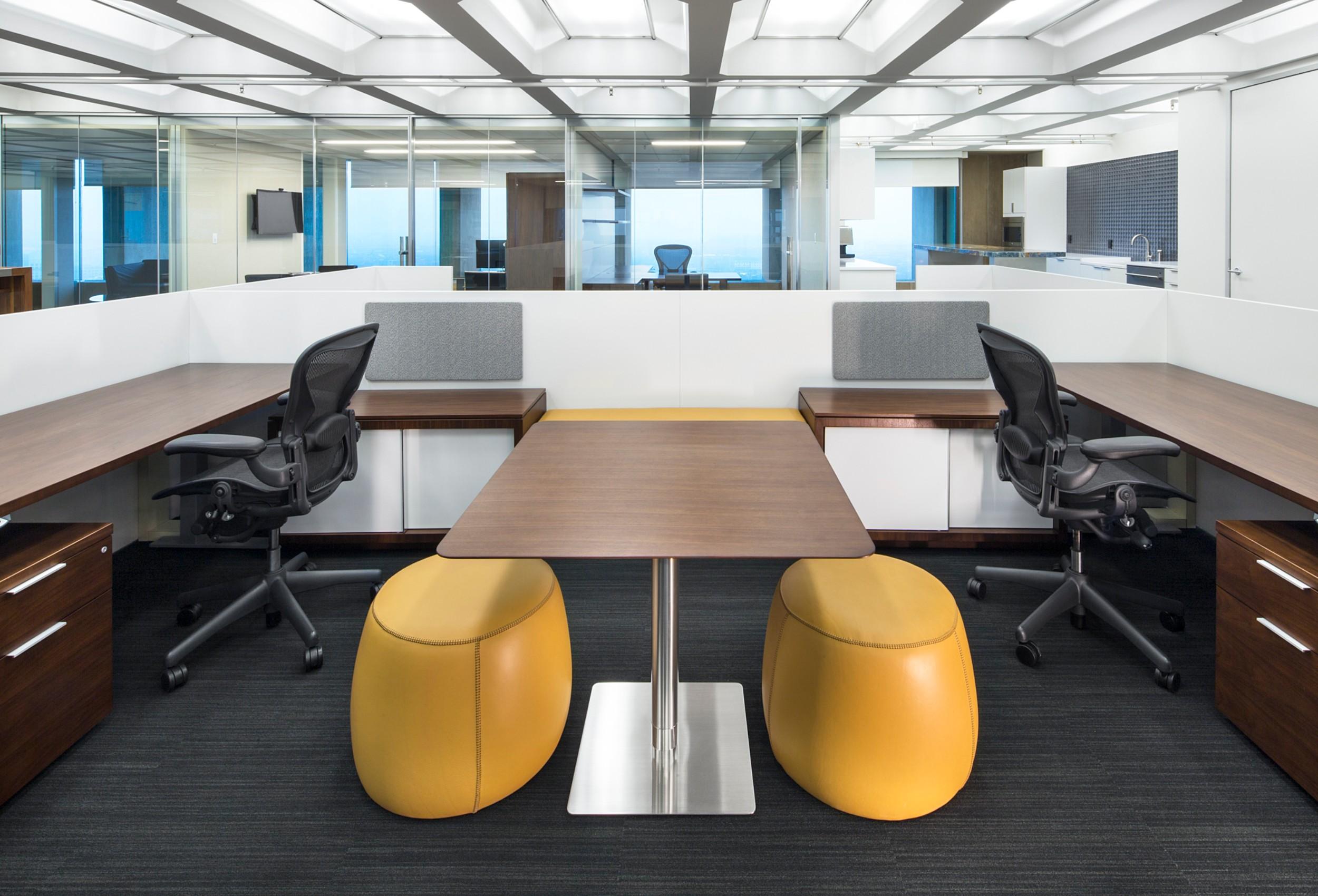 Kensington_Capital_Ventures_Holdings_Corderman_Construction_Office_Finance_Boston_Office_Workstation.jpg