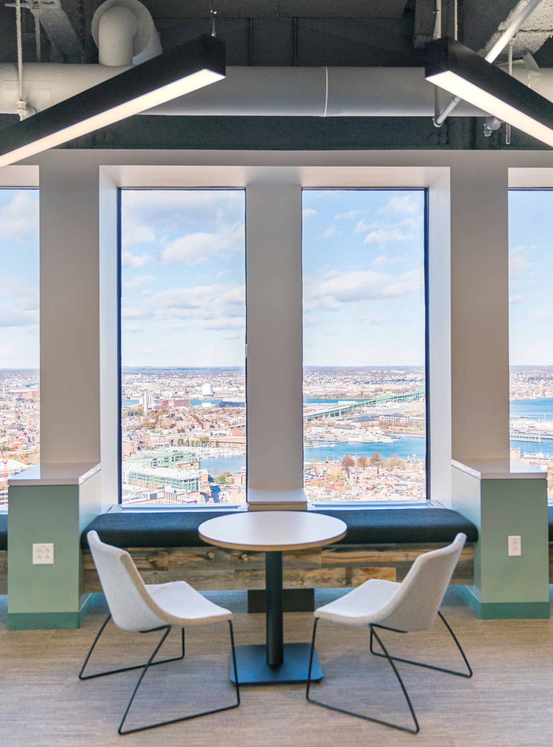 CBRE_Corderman_Construction_One_Boston_Place_Window_Seat.jpg