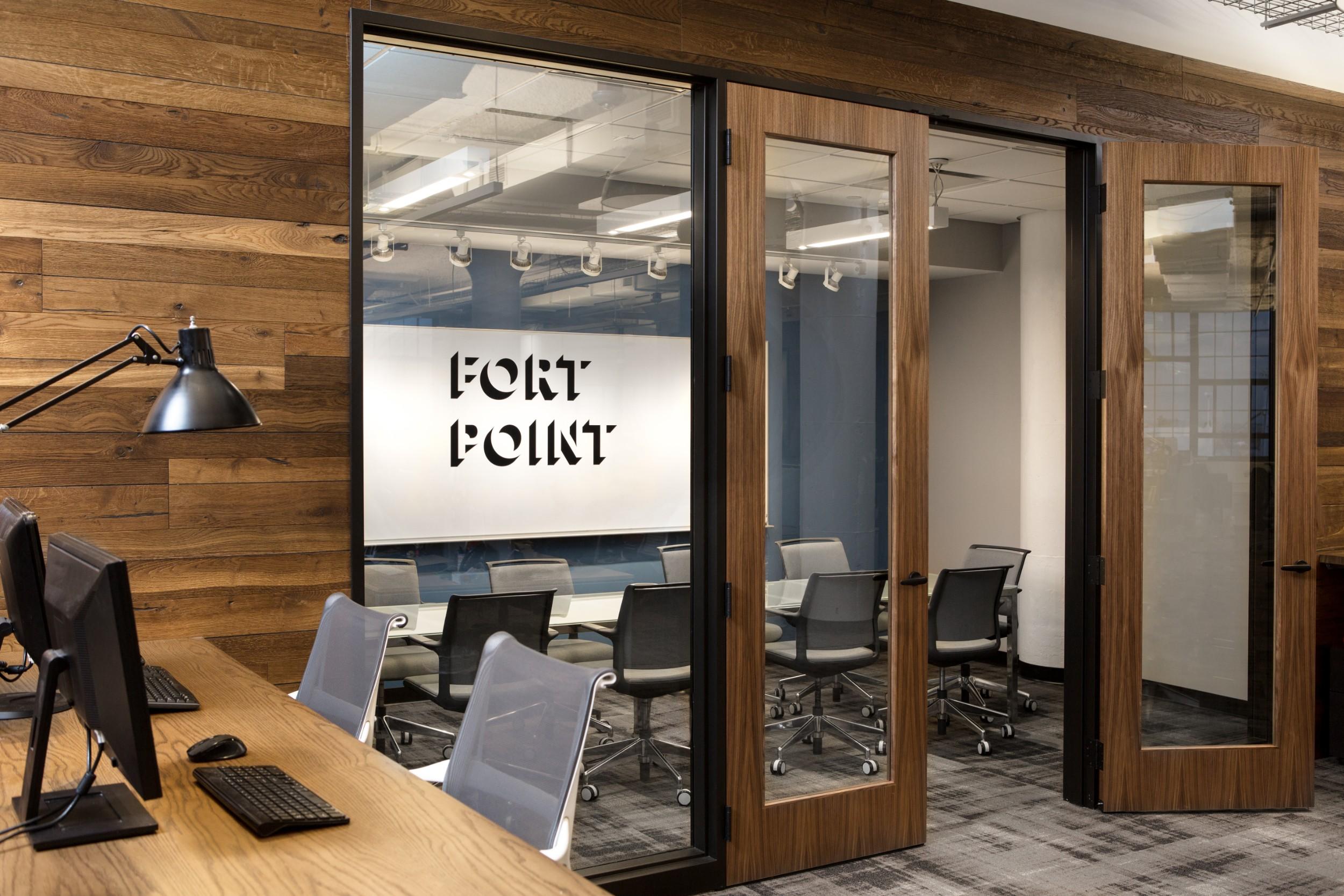 Corderman_Company_Construction_Neoscape_Office_Design_Seaport_Boston_Conference_Room_Exterior.jpg