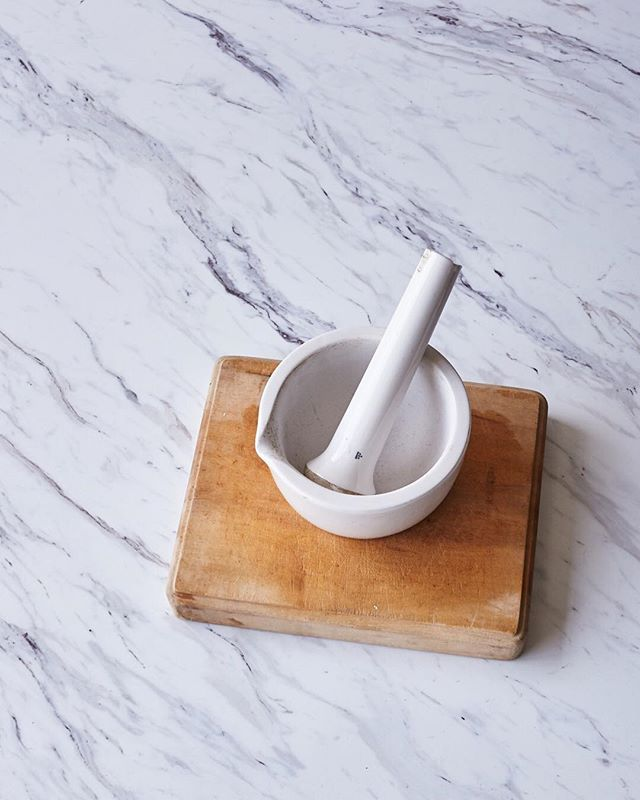 It looks like a marble, and it shoots like a marble.. but it's waaay lighter and you can wash it. #fauxmarble #oursecret #propatthepretty