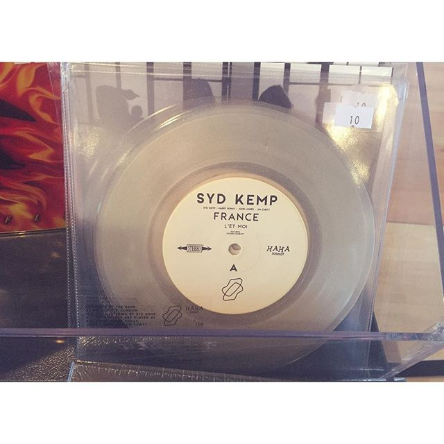 Oh hi 👋! FRANCE by @sydkemp is being stocked at our favourite record shop @driftrecordshop in Totnes. Only 3 in store. :) Gettem whilst they're hot! 📀💿📀 🔥 🔥 🔥 #recordlabel #sydkemp #ep #france #record #shop #hotnessoverload
