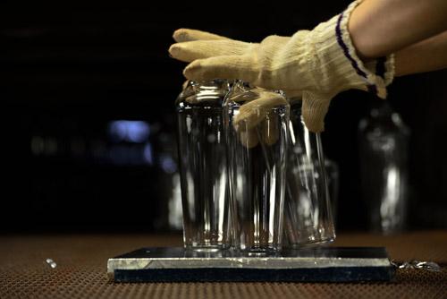 Usuhari - from light bulb to tableware