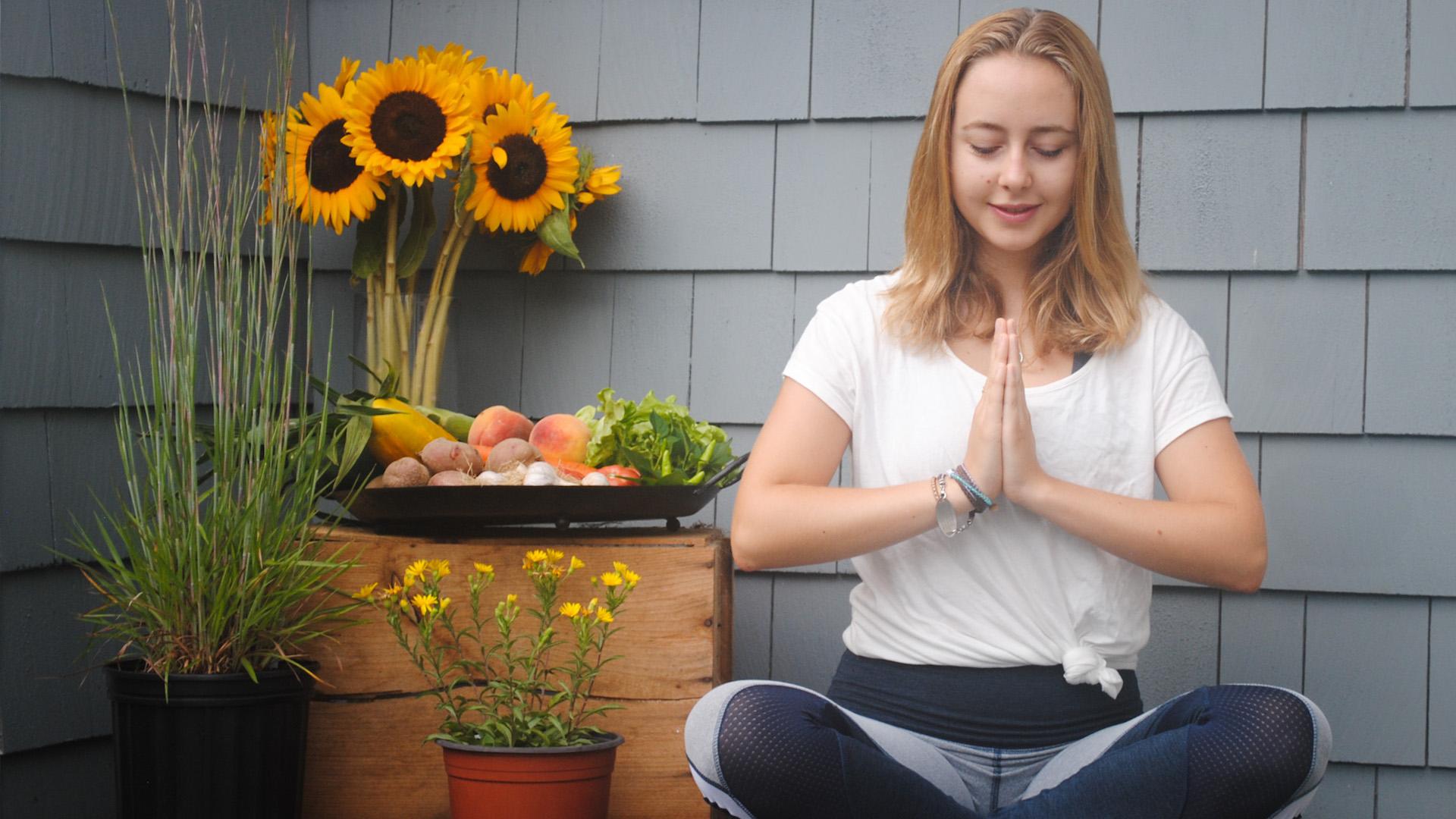 ECI Community Yoga - Mia sunflower 1920x1080.jpg