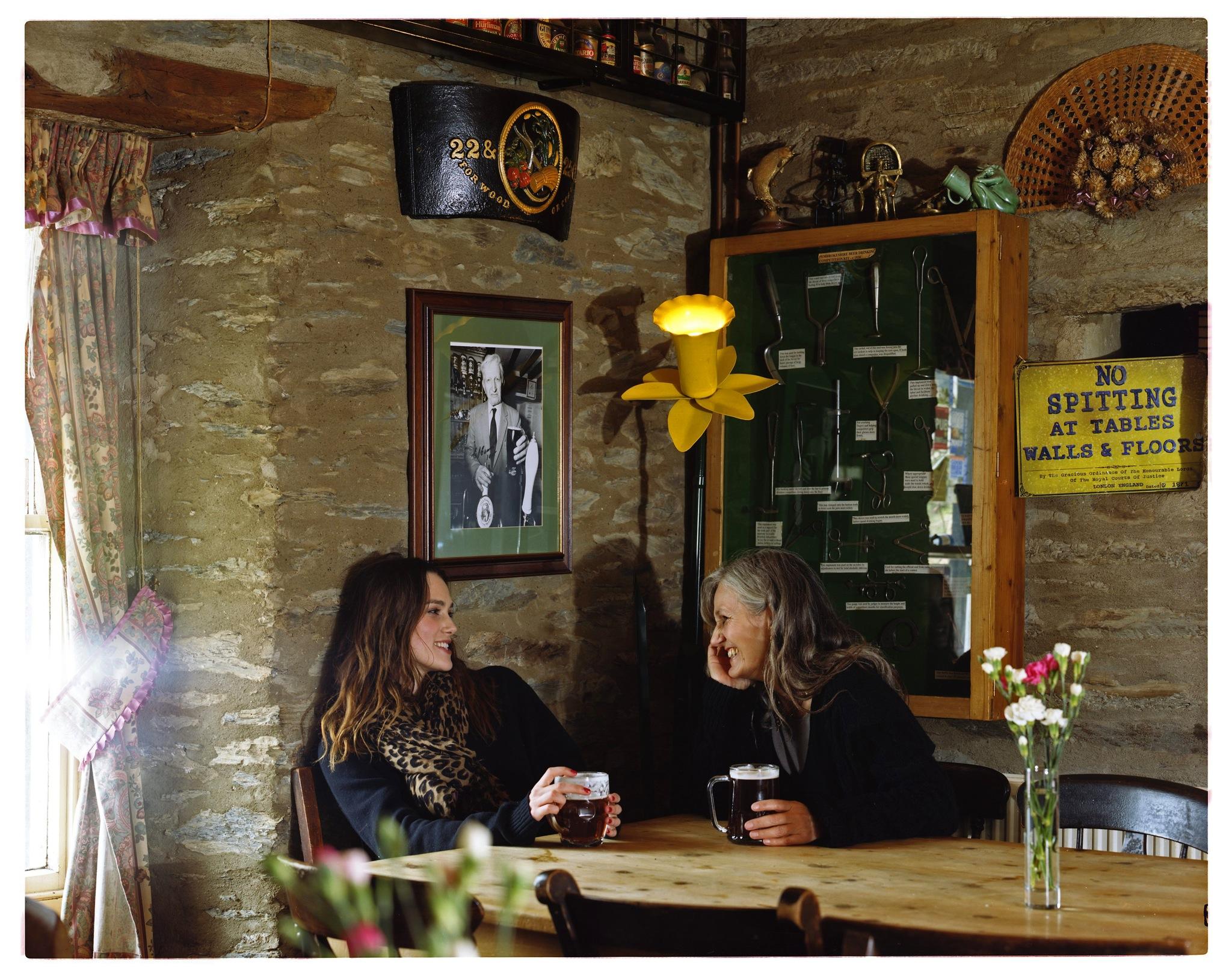 Keira&Mum,Pub Wales 1.jpg
