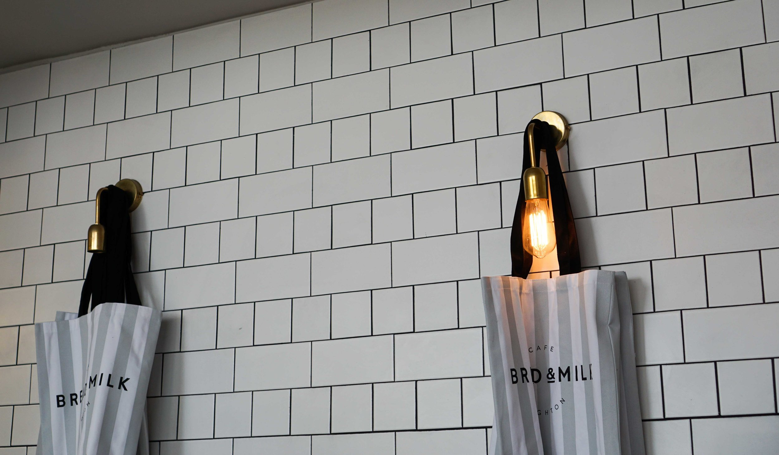 Love the white subway tiles