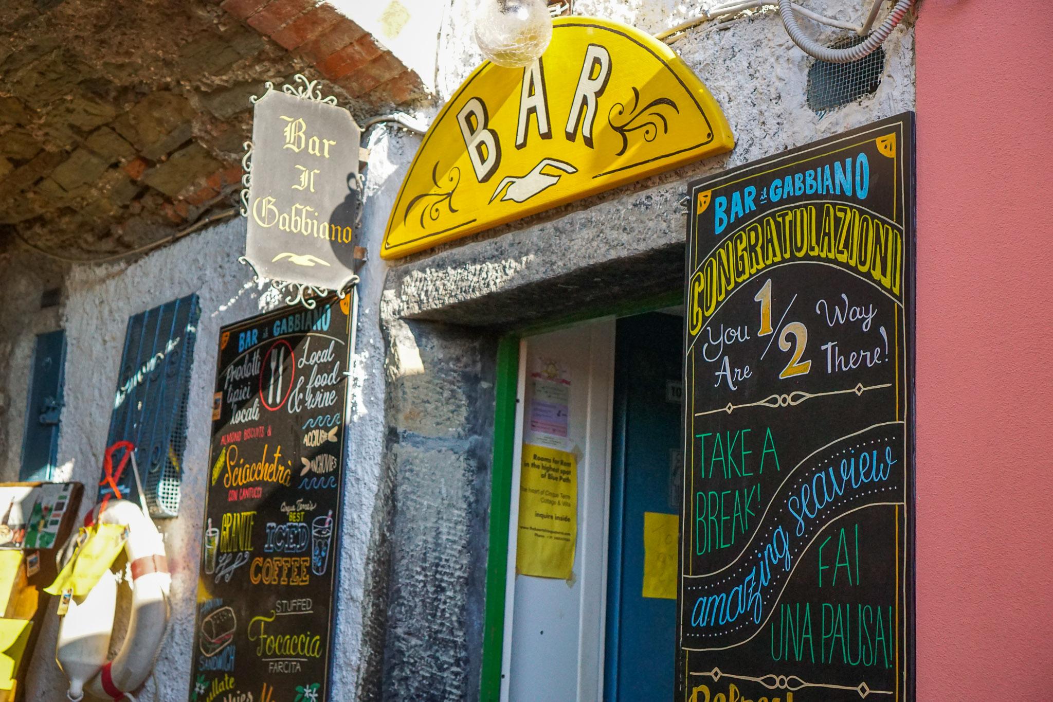 Make sure to take a break at Bar Il Gabbiano on your way from Corniglia to Vernazza.