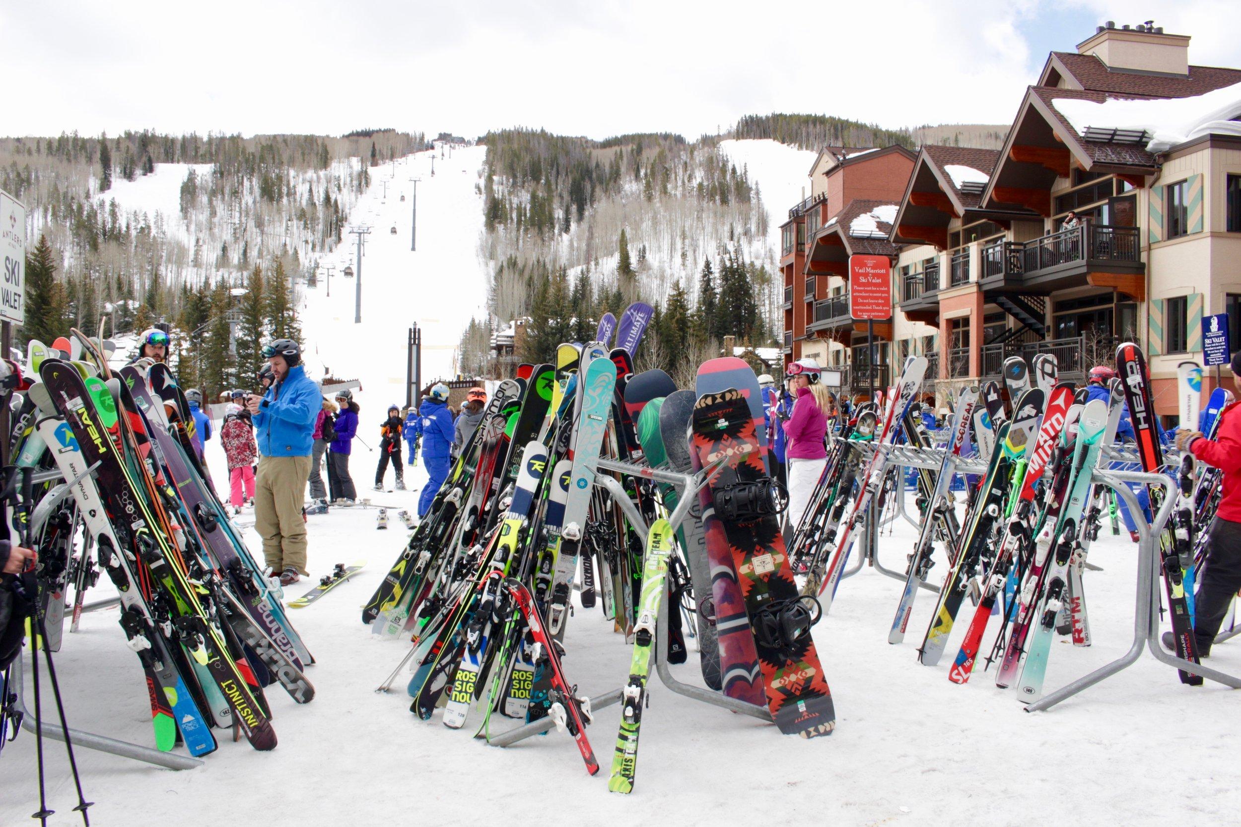 skiing-in-vail-2017-postcards.jpg