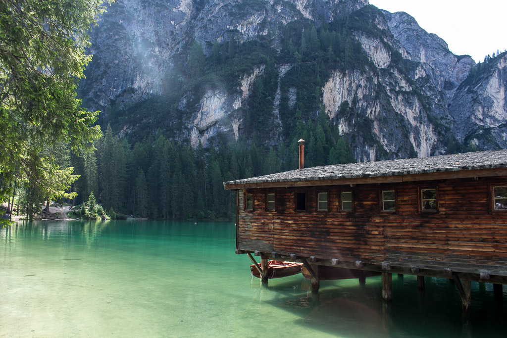 Morning views at Lago di Braies.