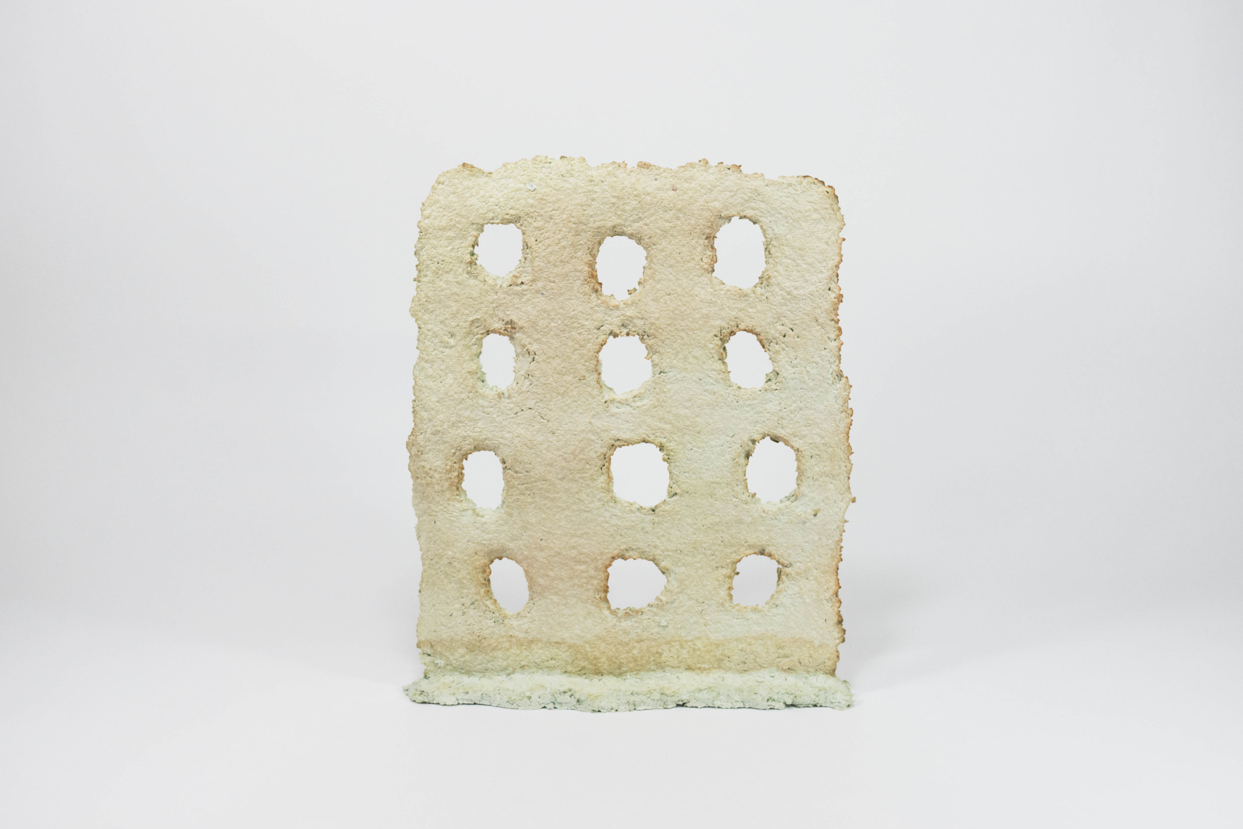Pregunta , paper pulp, 16 x 14 x 2 in, 2018.