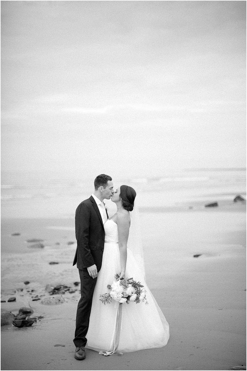 MaineCoastalIntimateWedding_0019.jpg