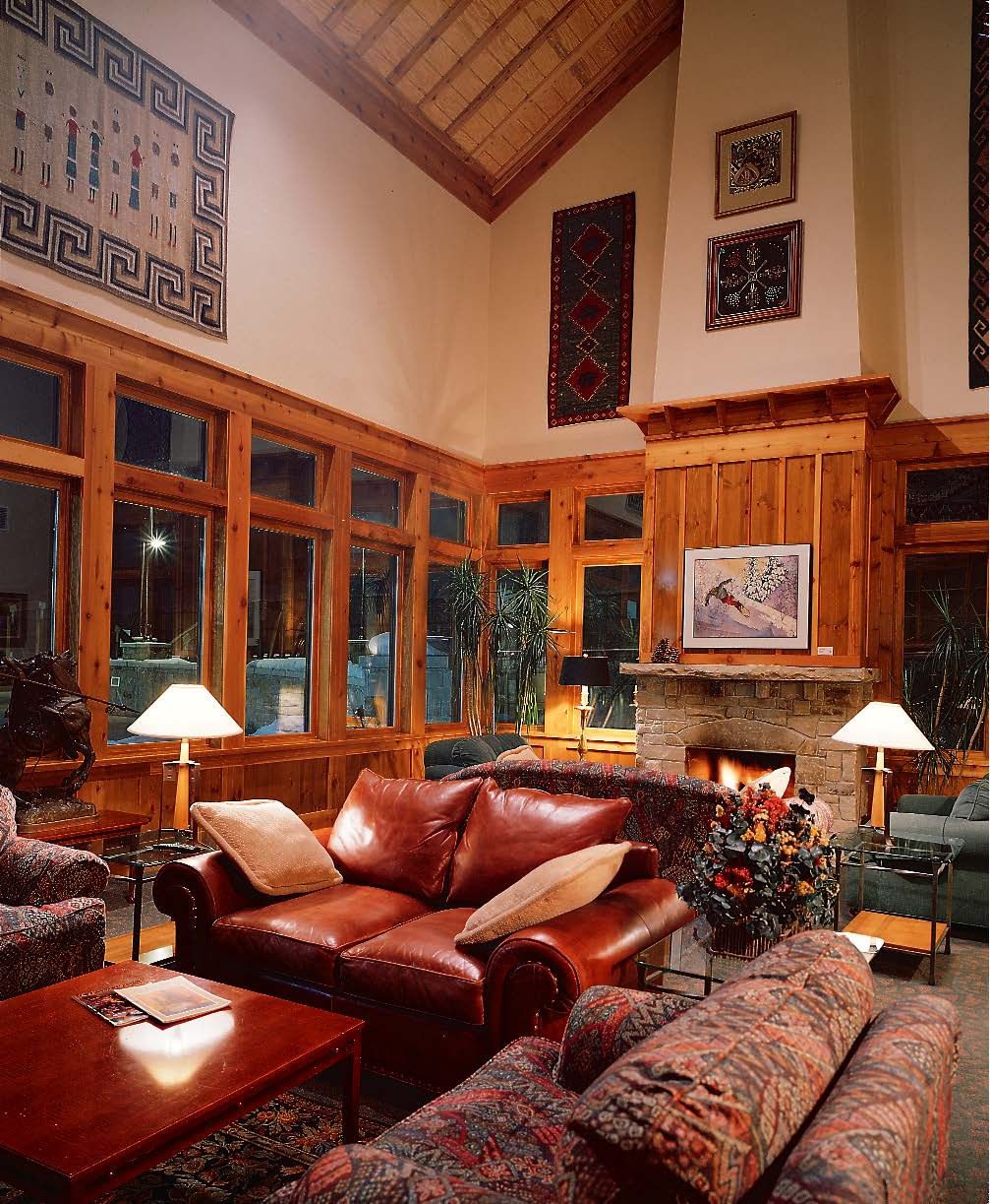 summit lounge.jpg