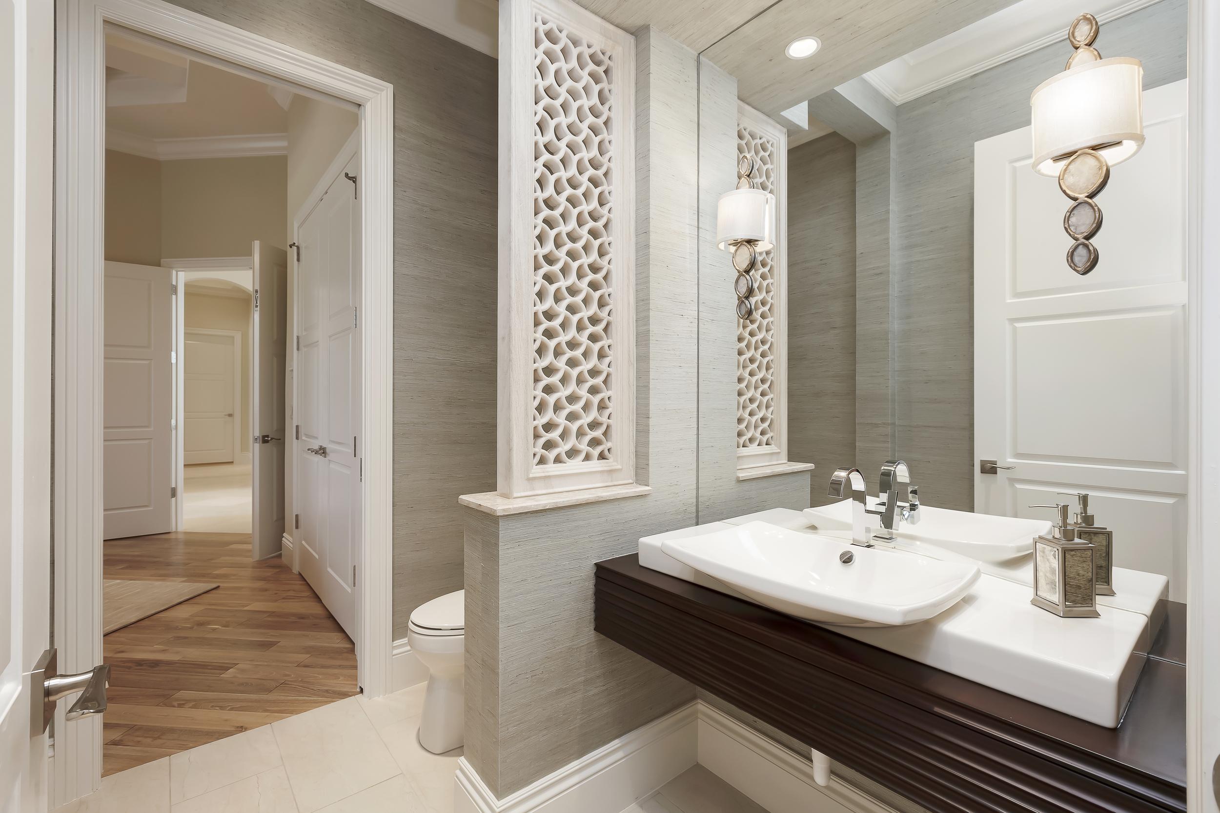 8b. Guest Bath 2.jpg