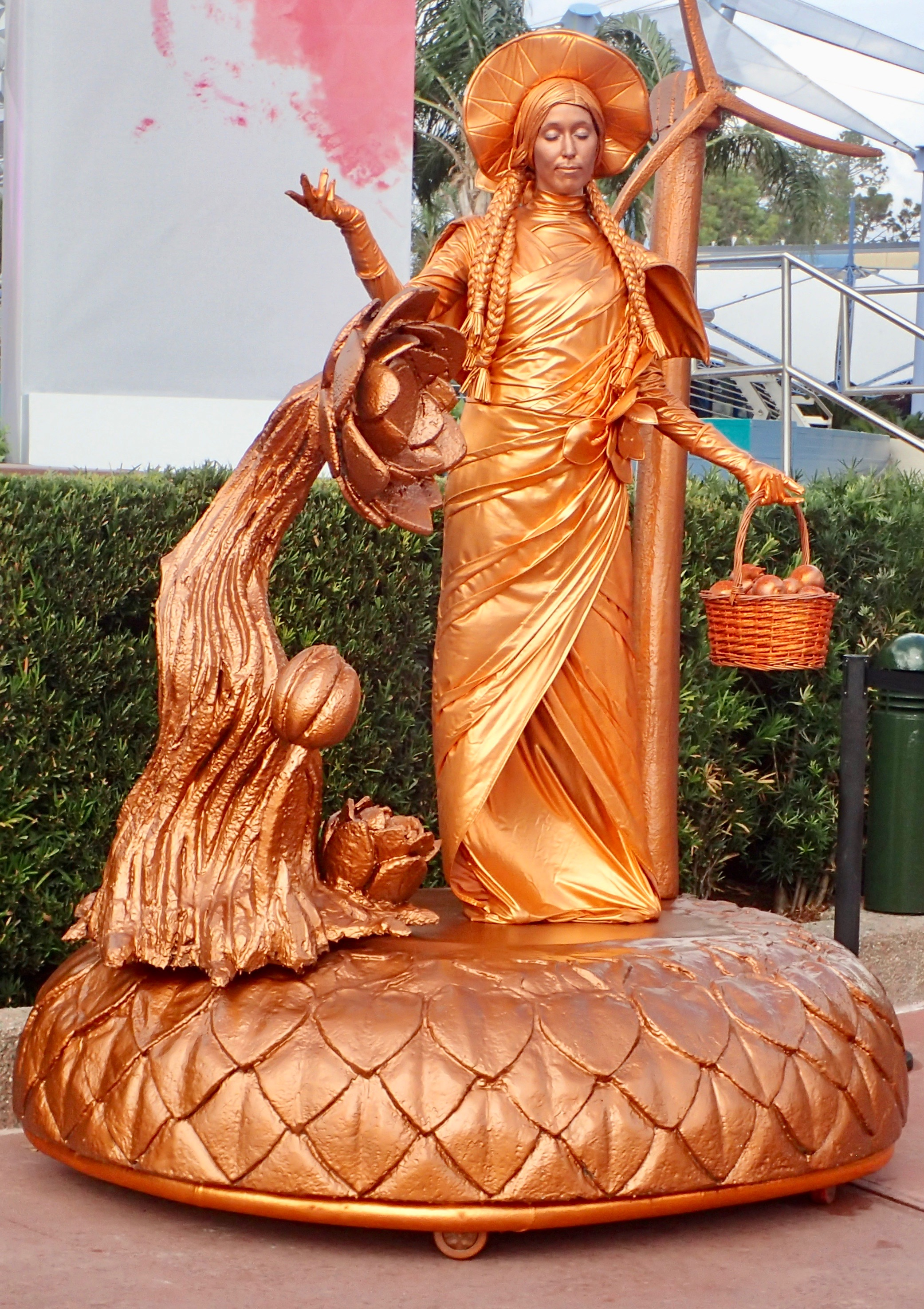 Highlights at the Epcot Festival of the Arts – living statue copper