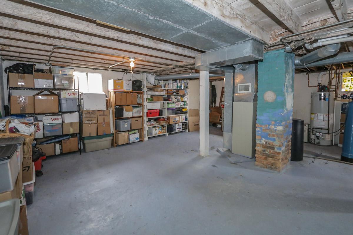 18 S Fair Oaks Ave - basement.jpg