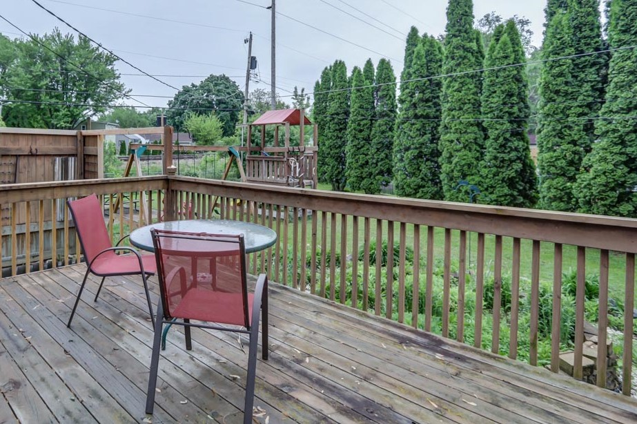 3707 Margaret St-back deck.jpg