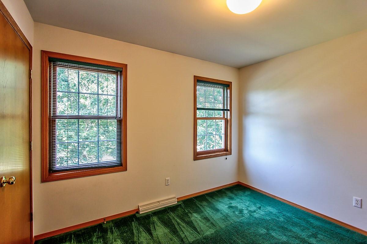 1525 Wayridge Dr Bedroom 1.jpg