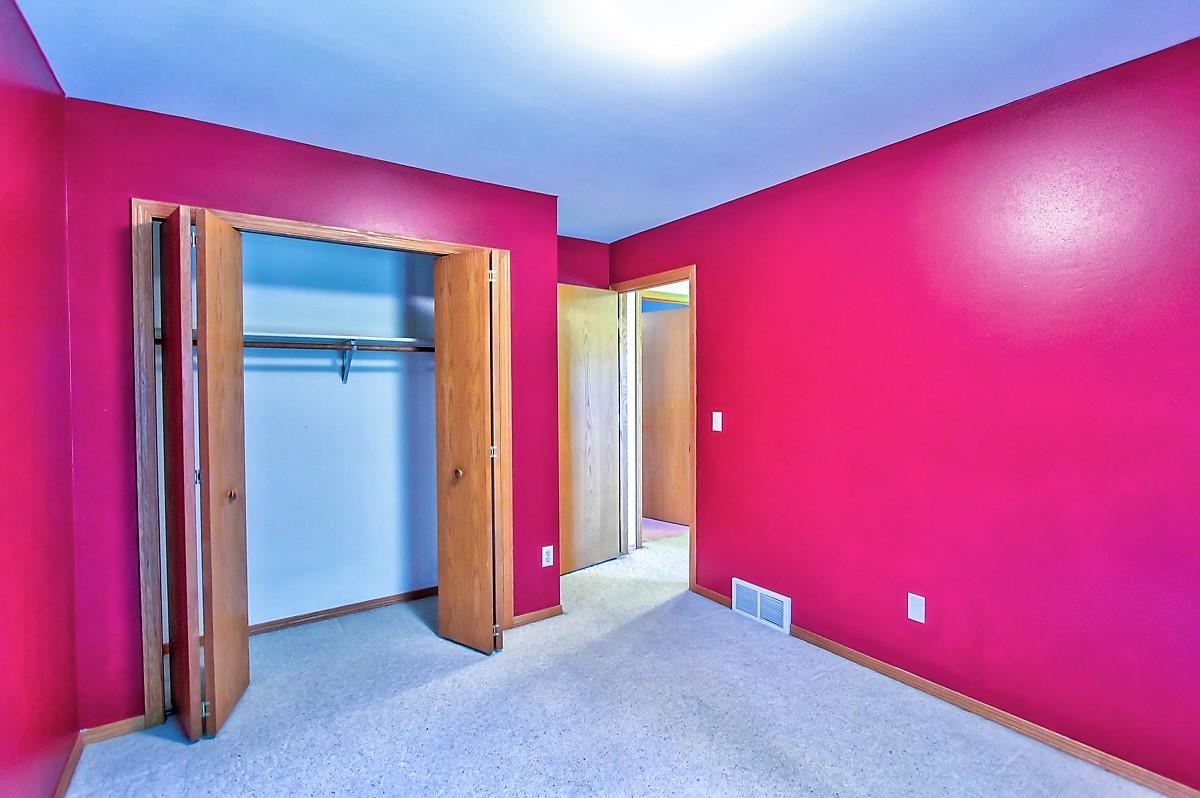 1525 Wayridge Dr- bedroom 2.jpg