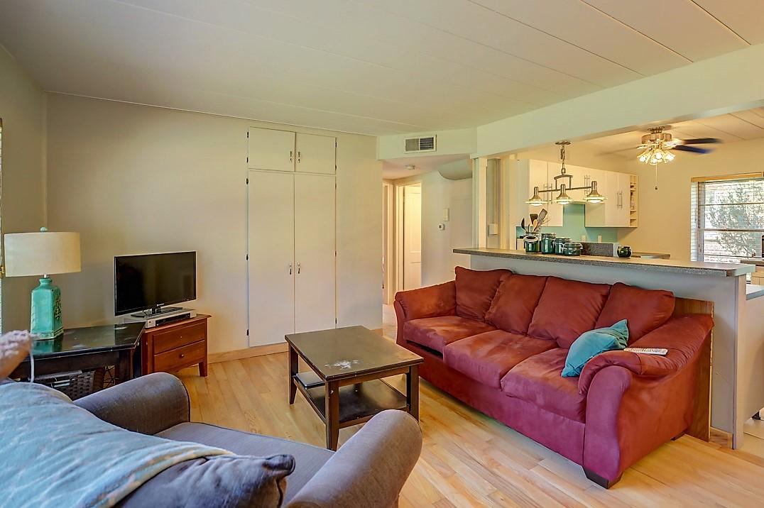 3 Sherman Terrace, Unit 1, Madison-12.jpg