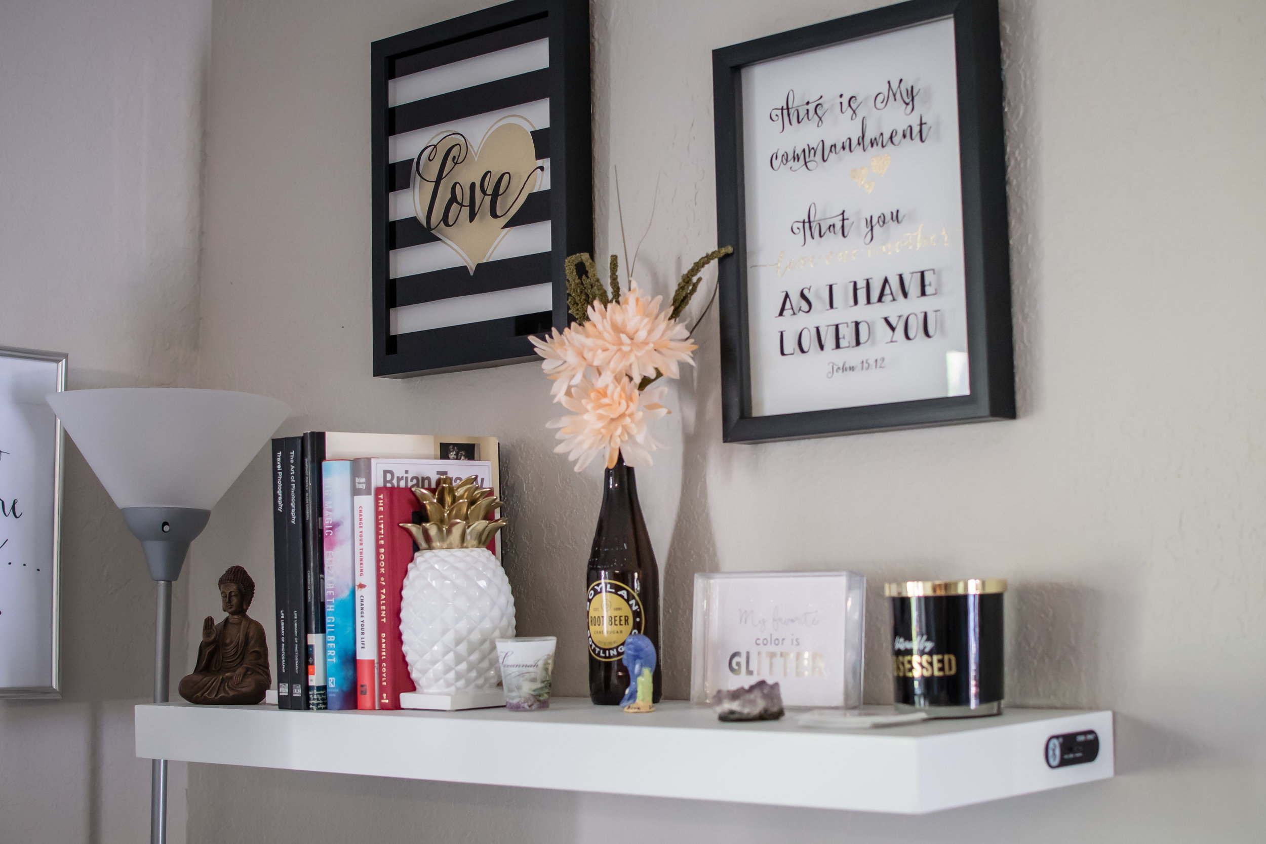 photographer-workspace-black-white-gold-office-decor-2.jpg