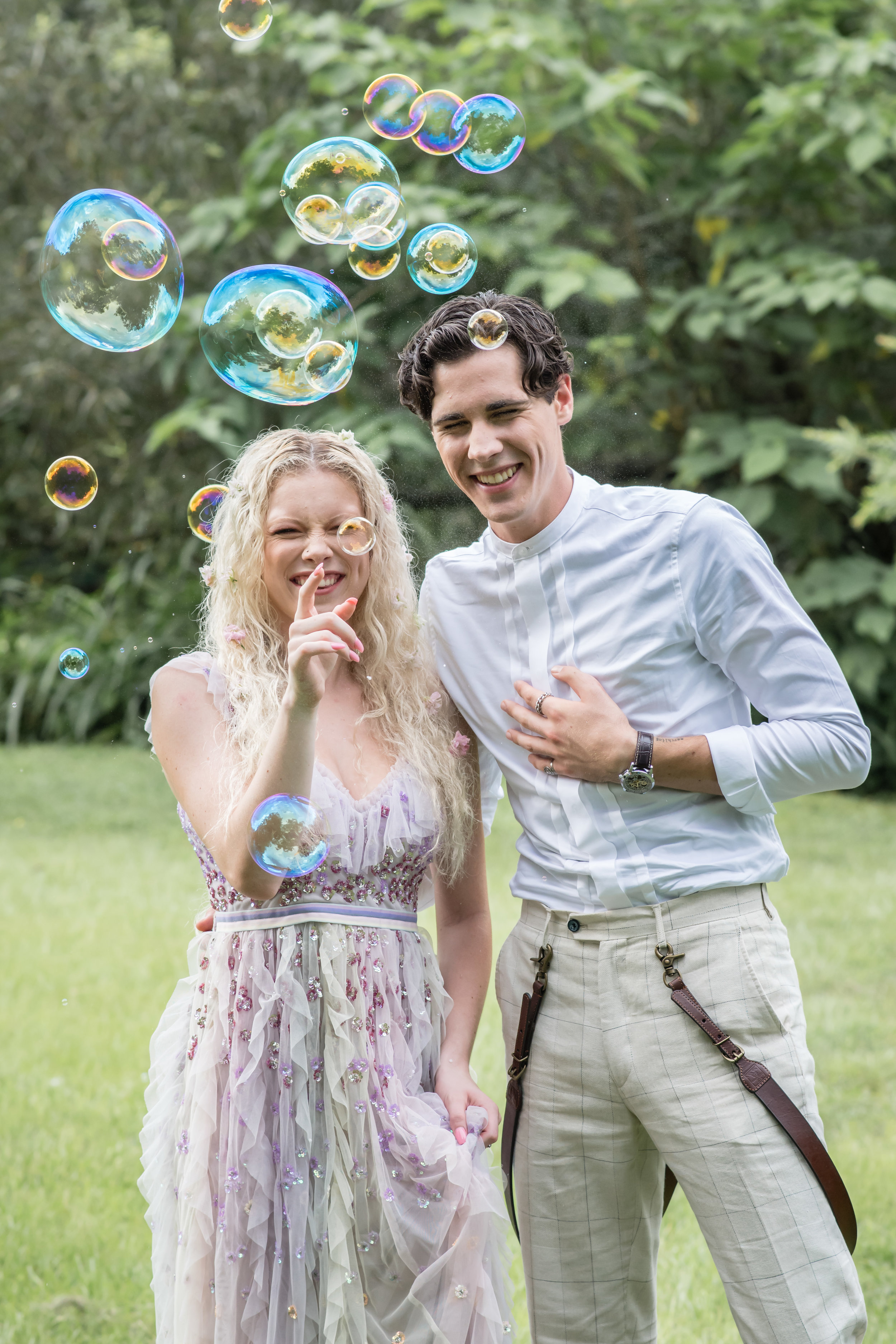 bridal couple with bubbles inspiration photos