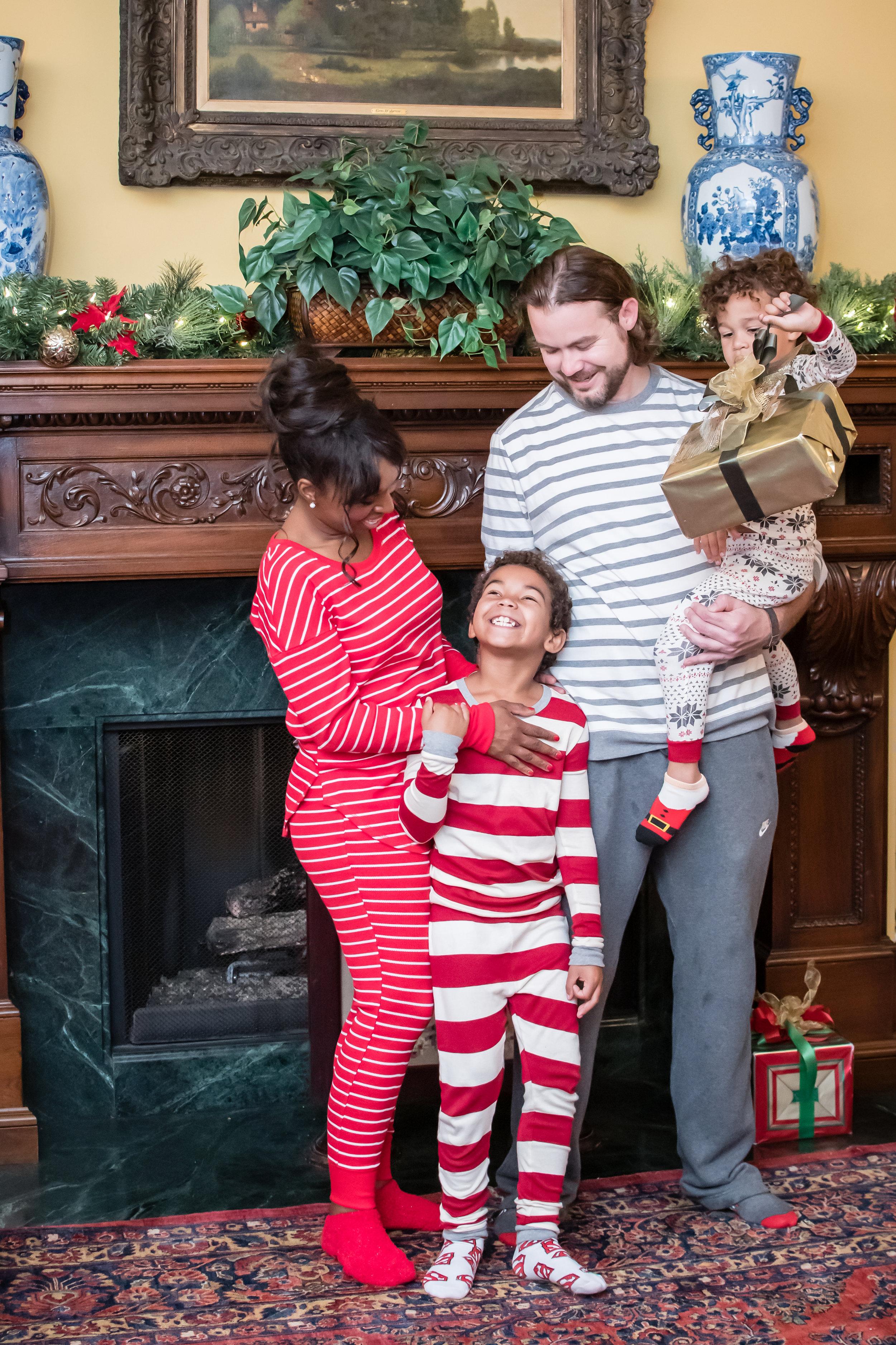 Christmas Day in pajamas photos by the chimney Orlando Photographer Yanitza Ninett