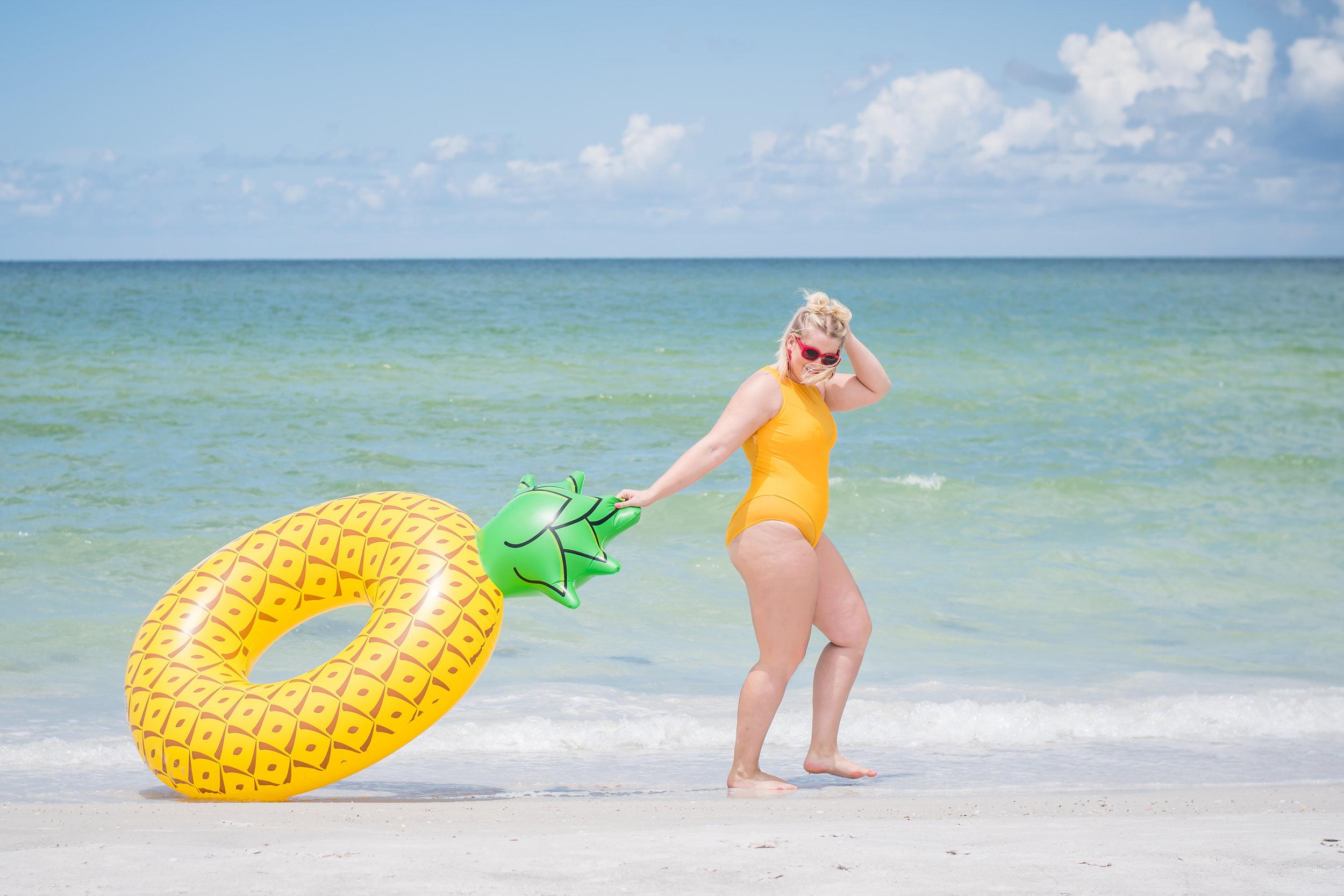 body-positive-model-beach-photoshoot-orlando-photographer-yanitza-ninett-7.jpg