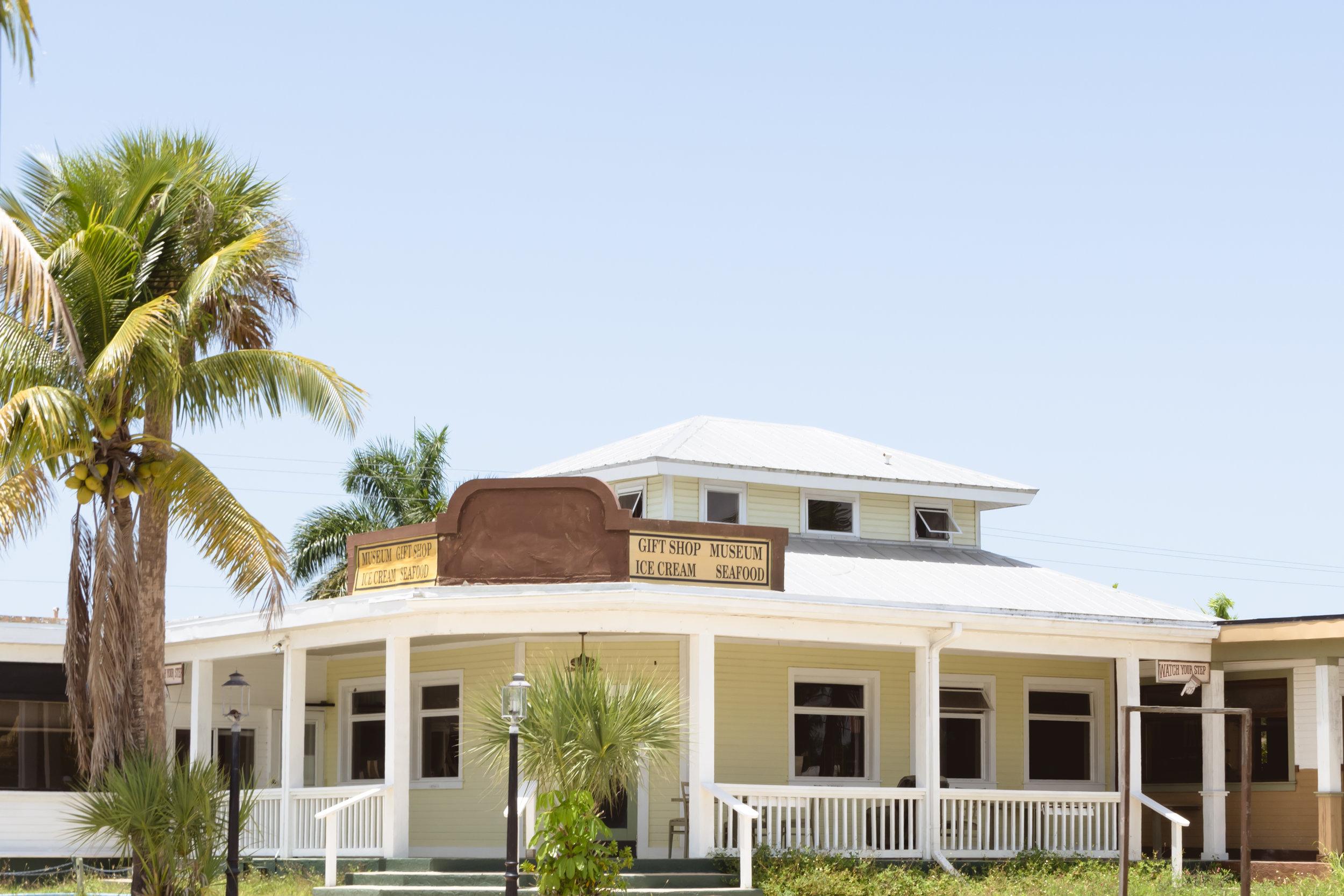 south-west-florida-traveling-to-the-everglades-orlando-travel-photographer-yanitza-ninett-7.jpg
