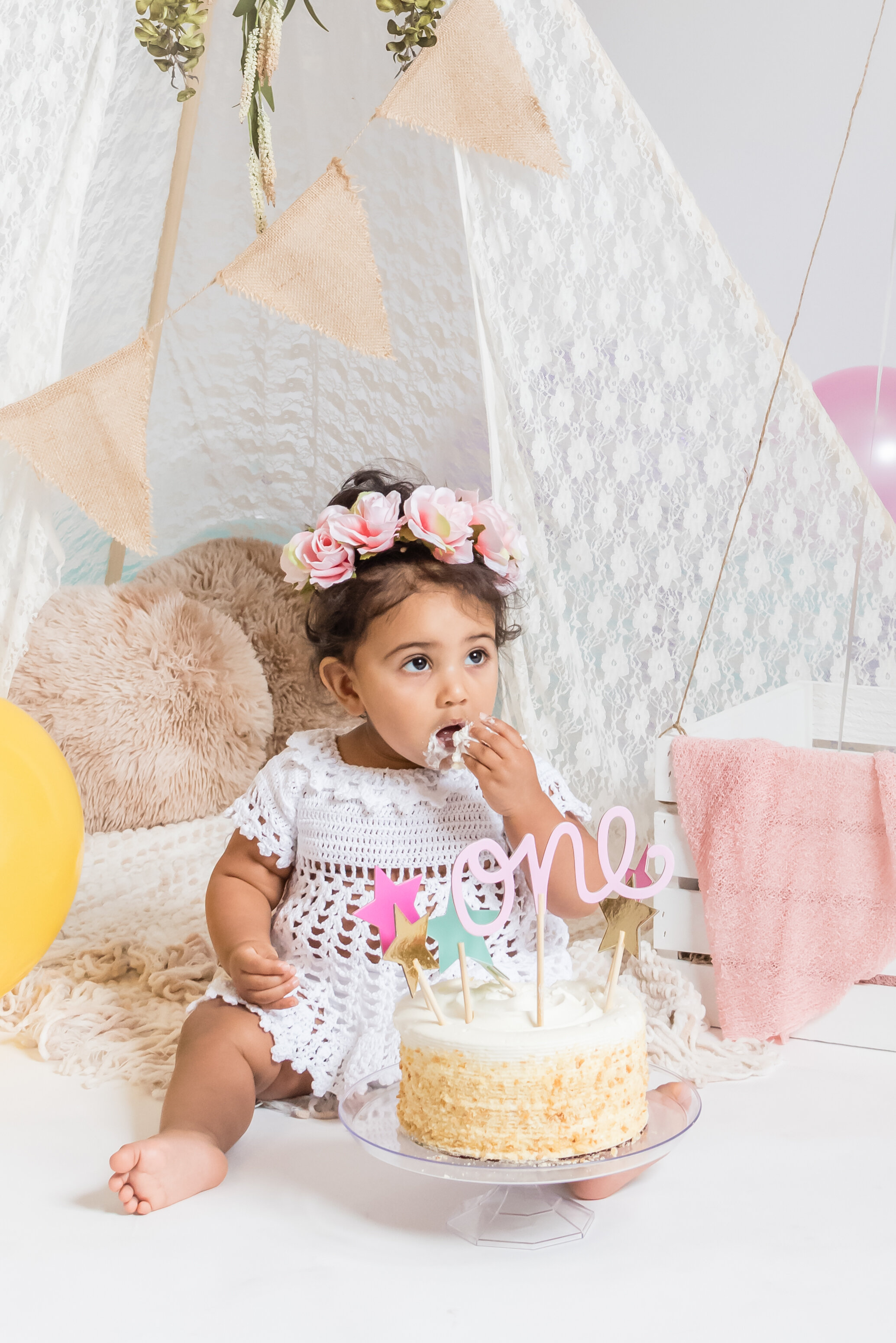 Specialty + Custom Sessions - Cake Smash and everything in between! The cake smash session includes a white, round cake with a cake topper that fits your theme. Have some decorations you want to use? Bring them along! Starting at $250