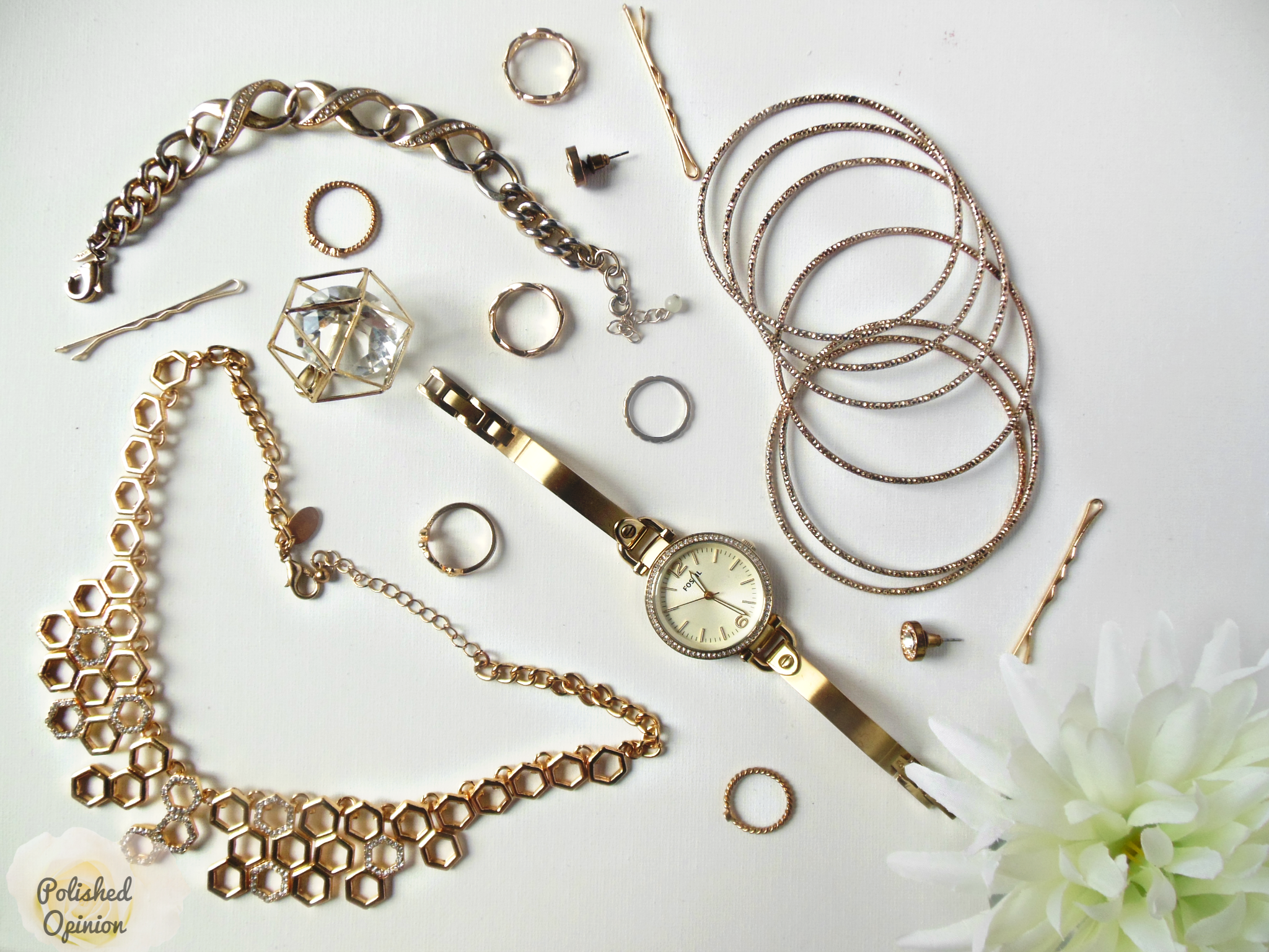 Ever wondered which is better? Gold or Rose Gold? Which is right for YOU? Click here and read the pros and cons of gold vs rose gold jewelry! Plus get tips on how to wear them!