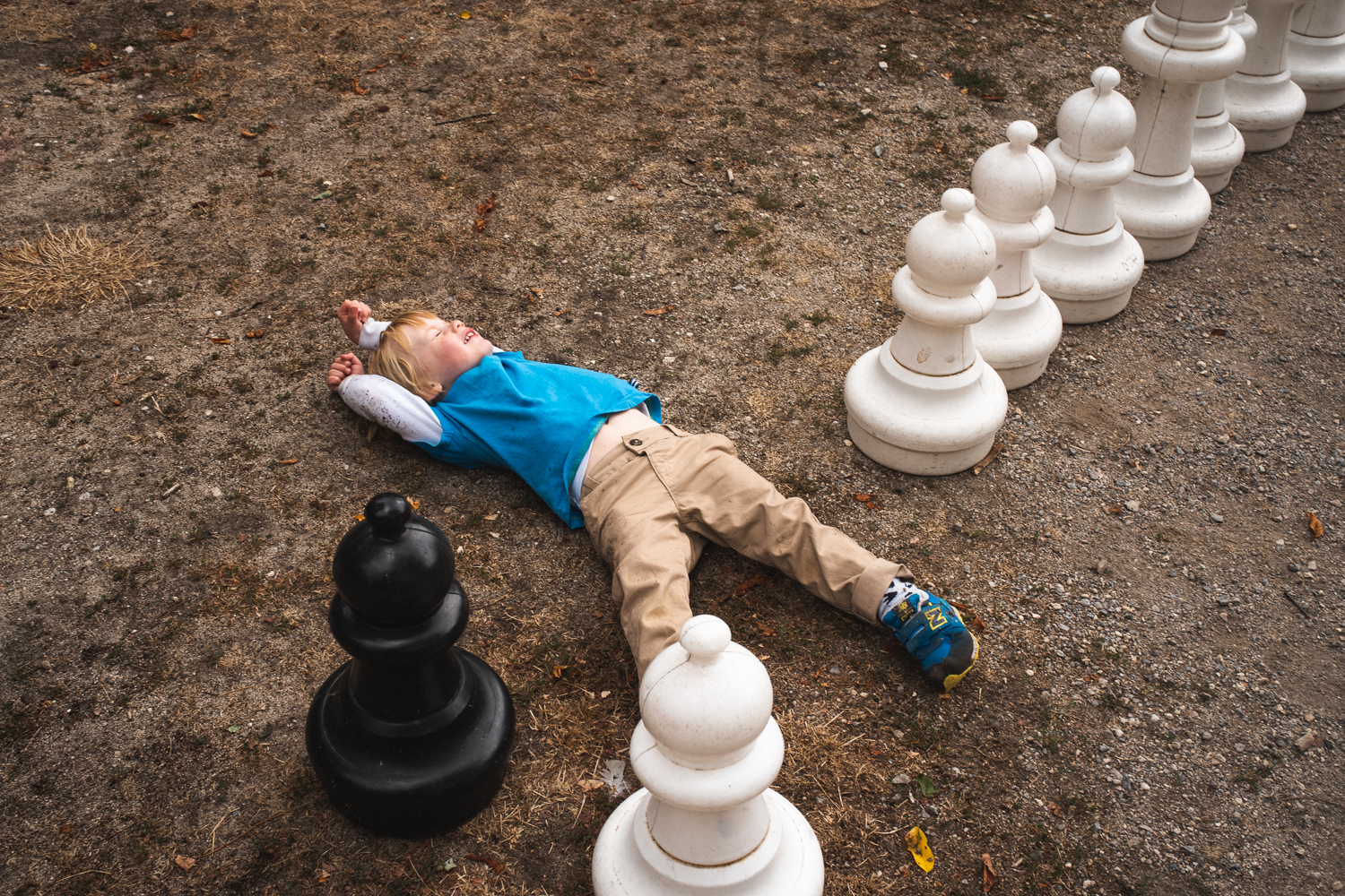I saw him creating a repetitive game of moving chess pieces and falling over. So I just had to wait for another demo!