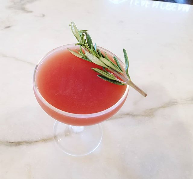 Just a few days left of #beeskneesweek! Have you tried our Blood Orange & Rosemary variation? Only available til Sunday! . . . . #cocktails #beer #wine #craft #allnatural #seasonal #happyhour #datenight #oc #tustin #irvine #centralbaroc #drinklocal #craftcocktails #gin #honey #beesknees #savethebees #friyay